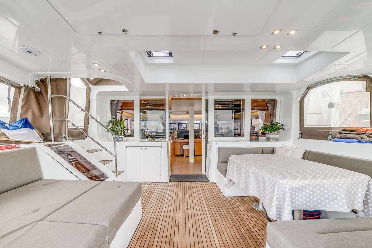 Yacht charter Liberte