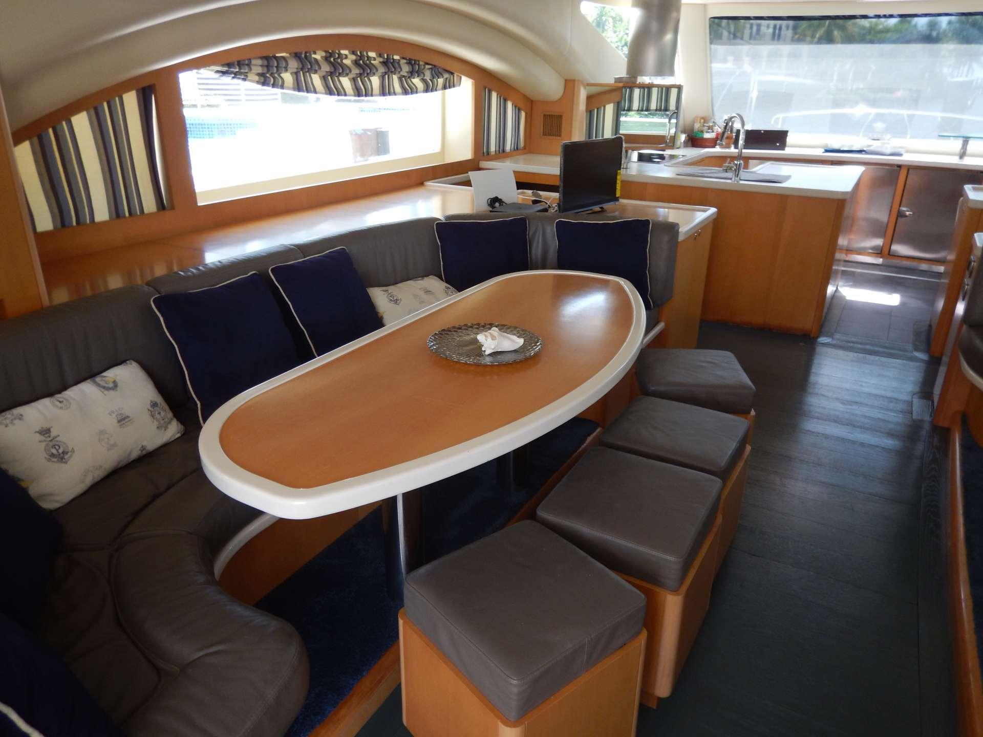 Yacht charter Magic Star