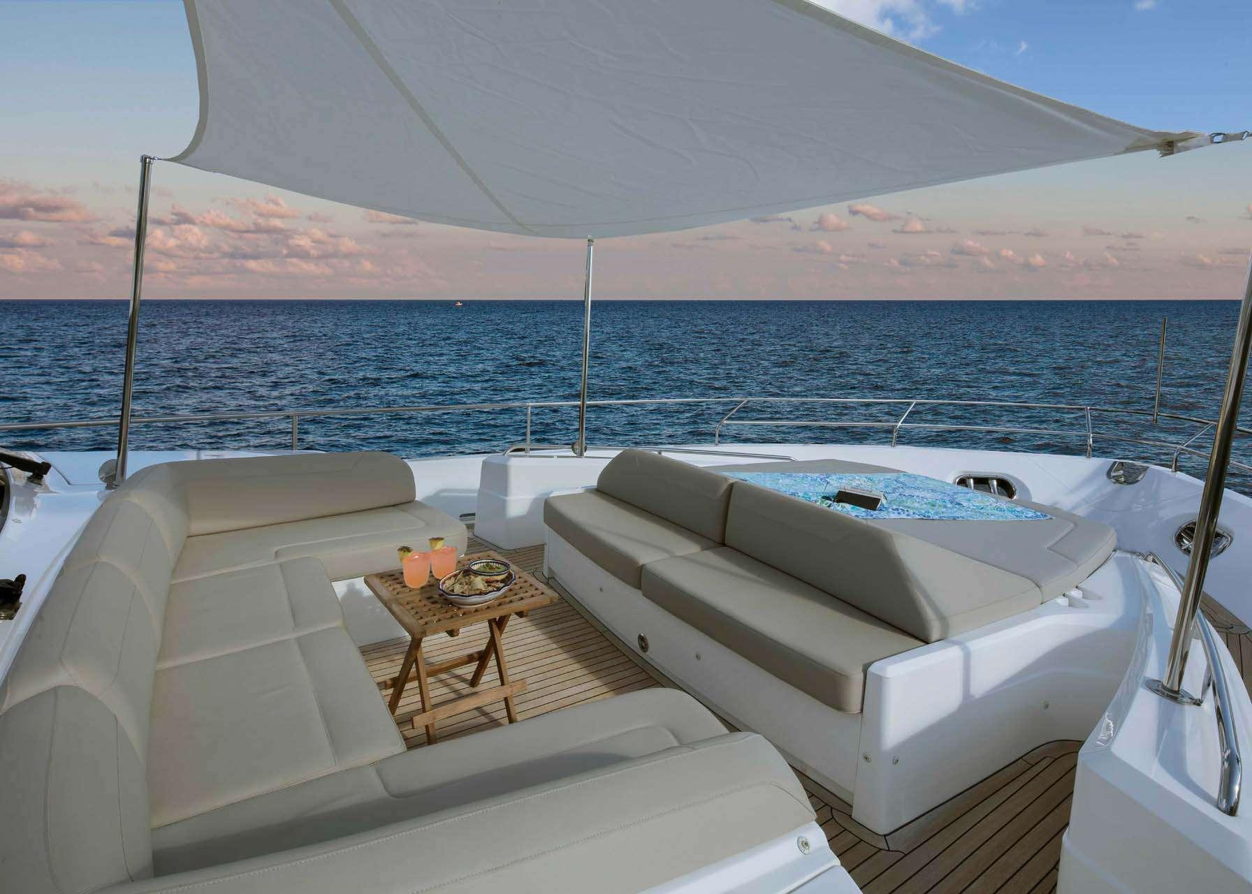 motor yacht HOT PURSUIT