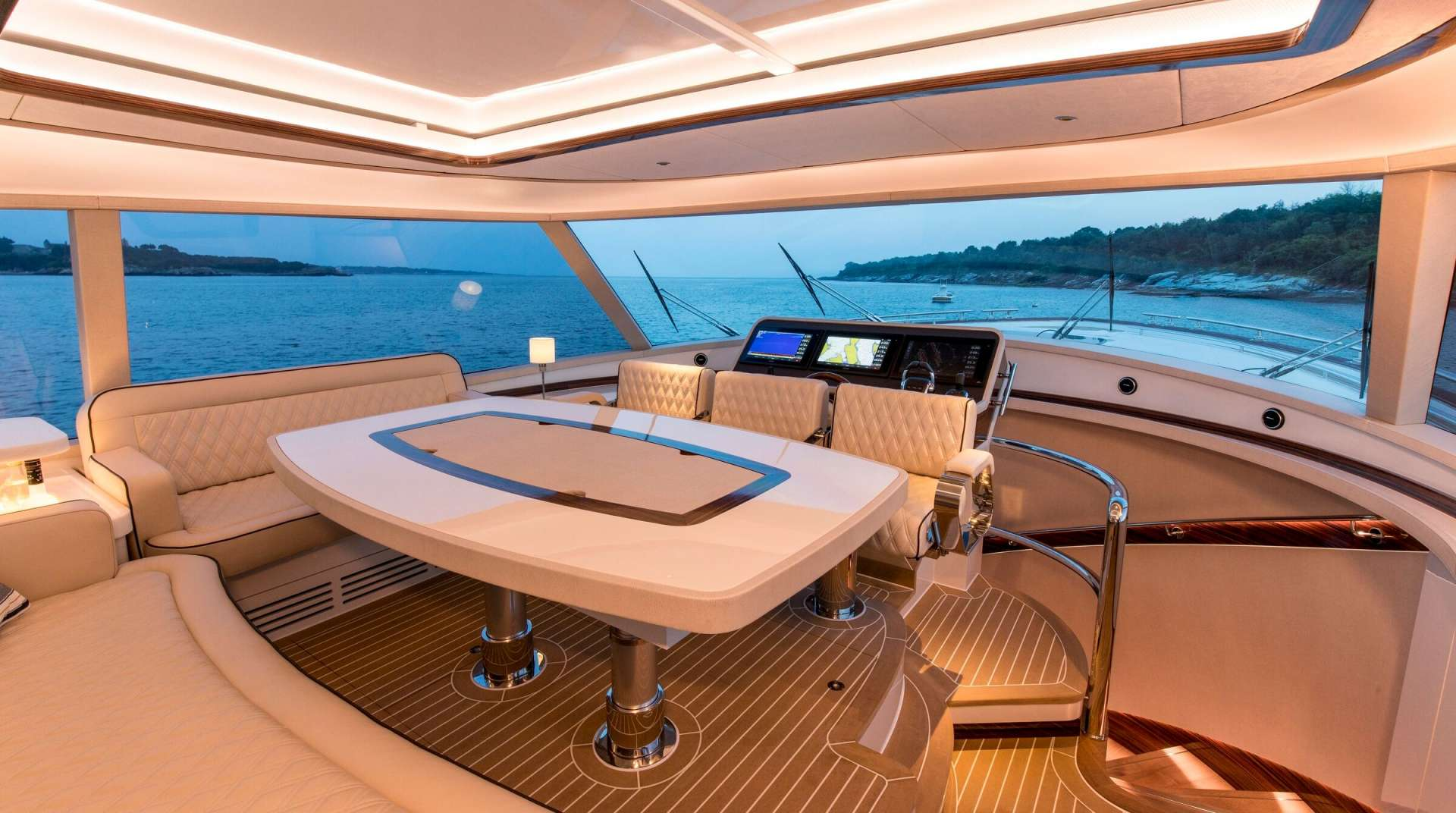 motor yacht DYLAN LUCY