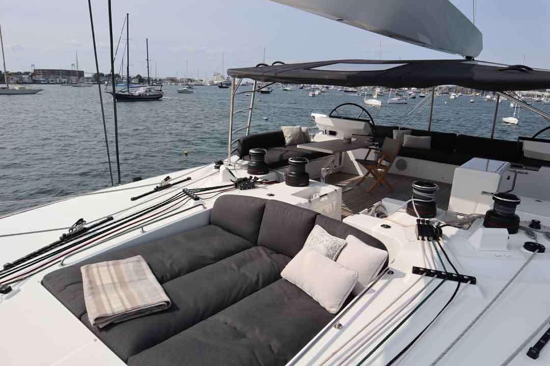 Top deck lounge