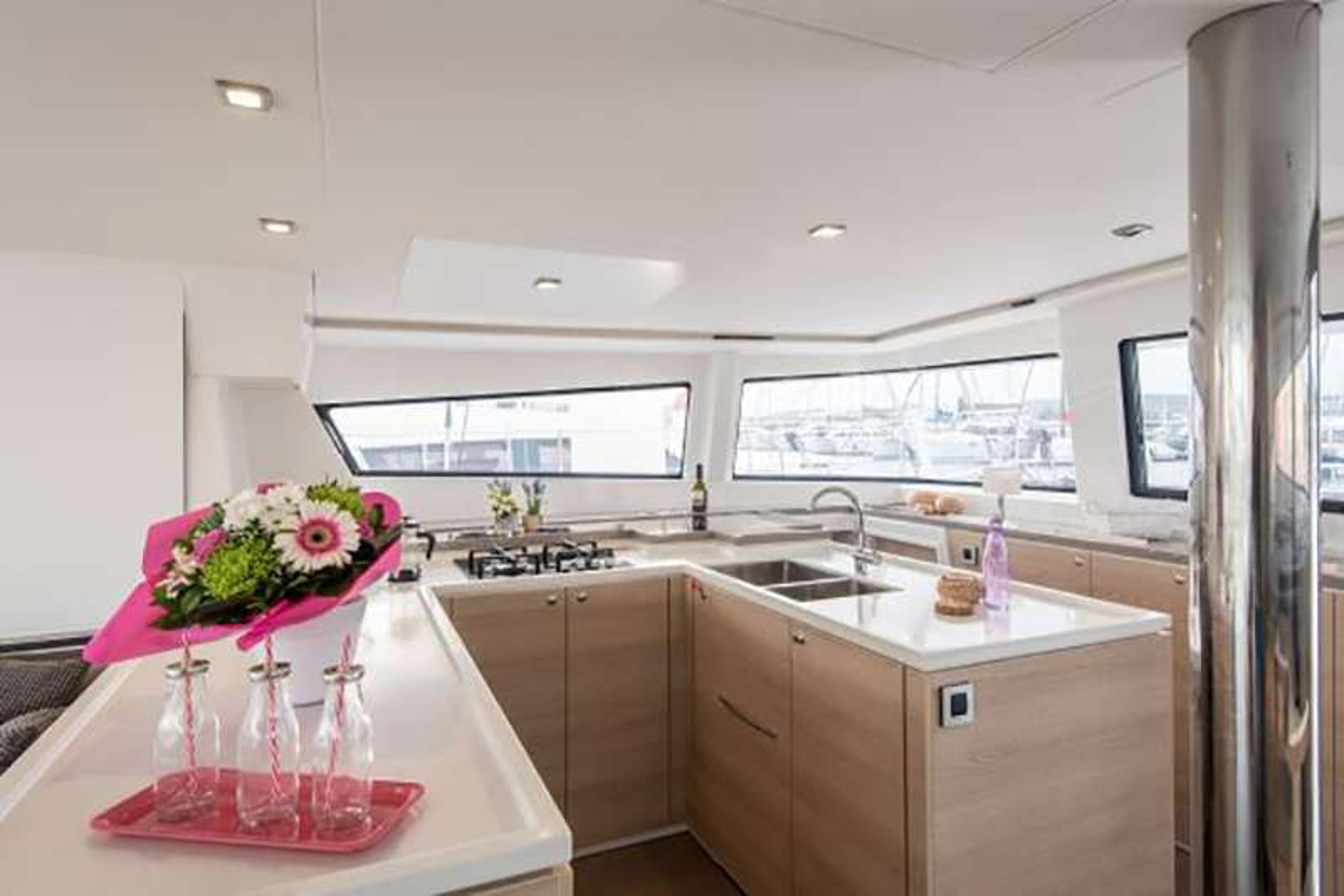 Catamaran Charter Ad Astra
