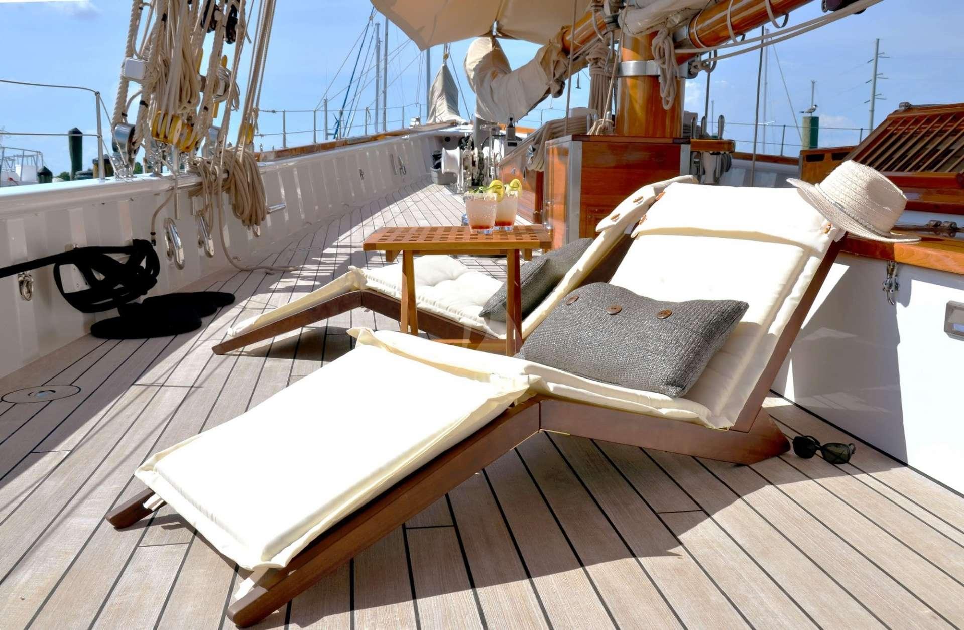 Columbia yacht image # 10