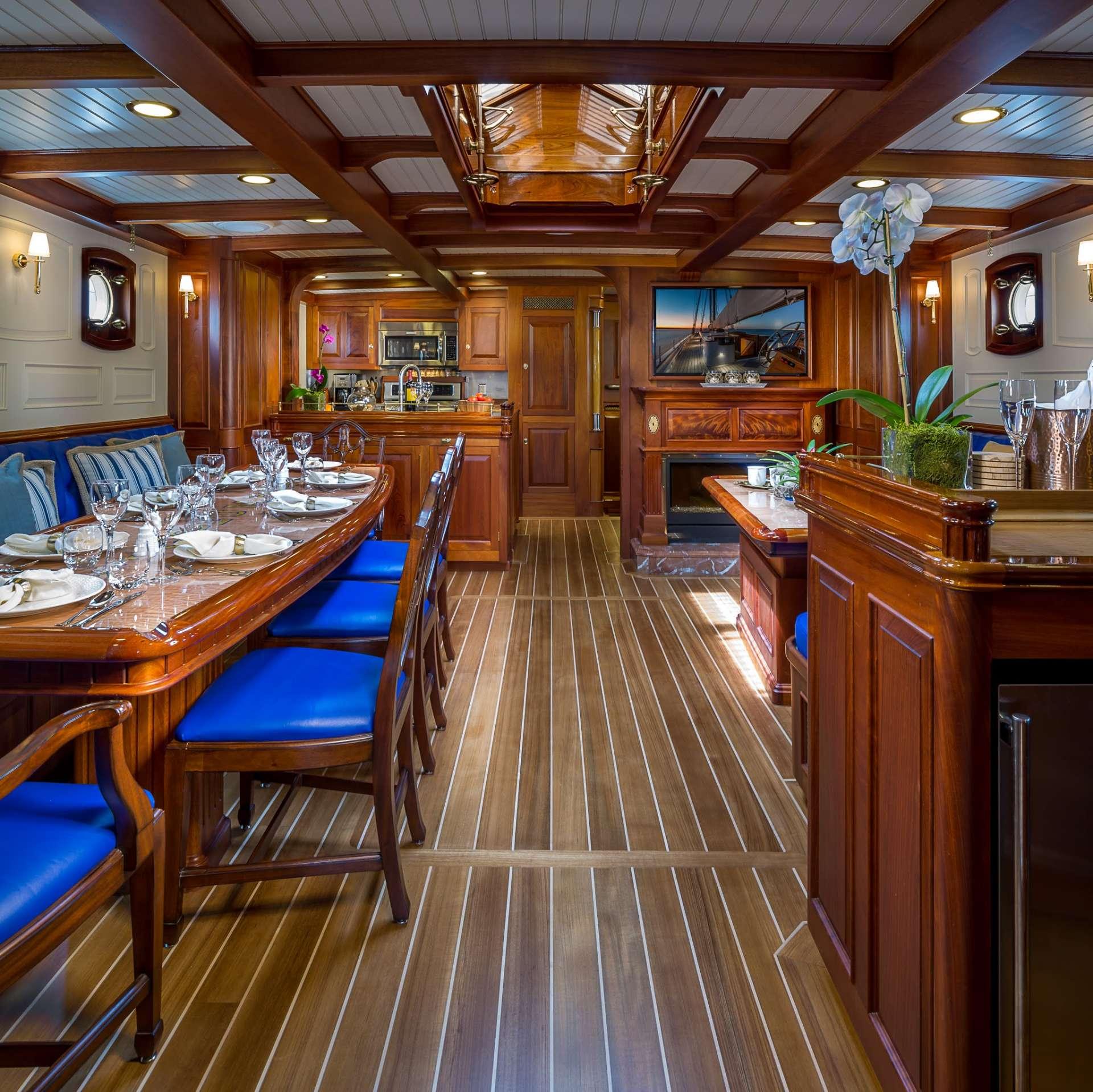 Columbia yacht image # 1