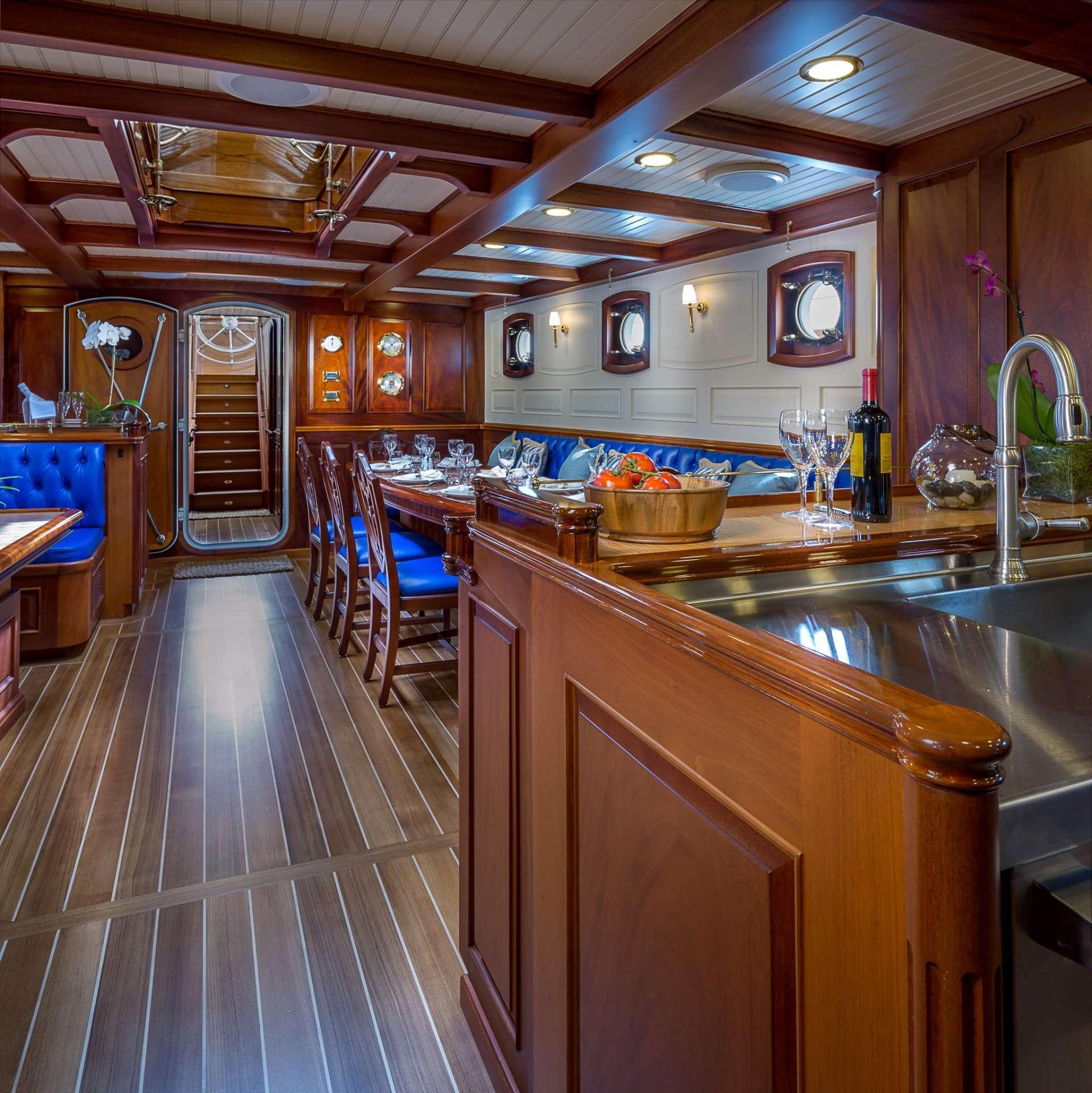 Columbia yacht image # 2