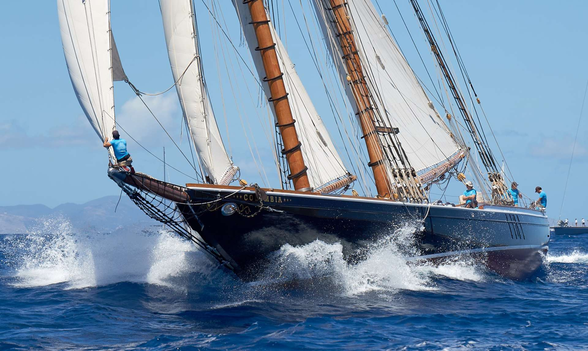 Columbia yacht image # 3