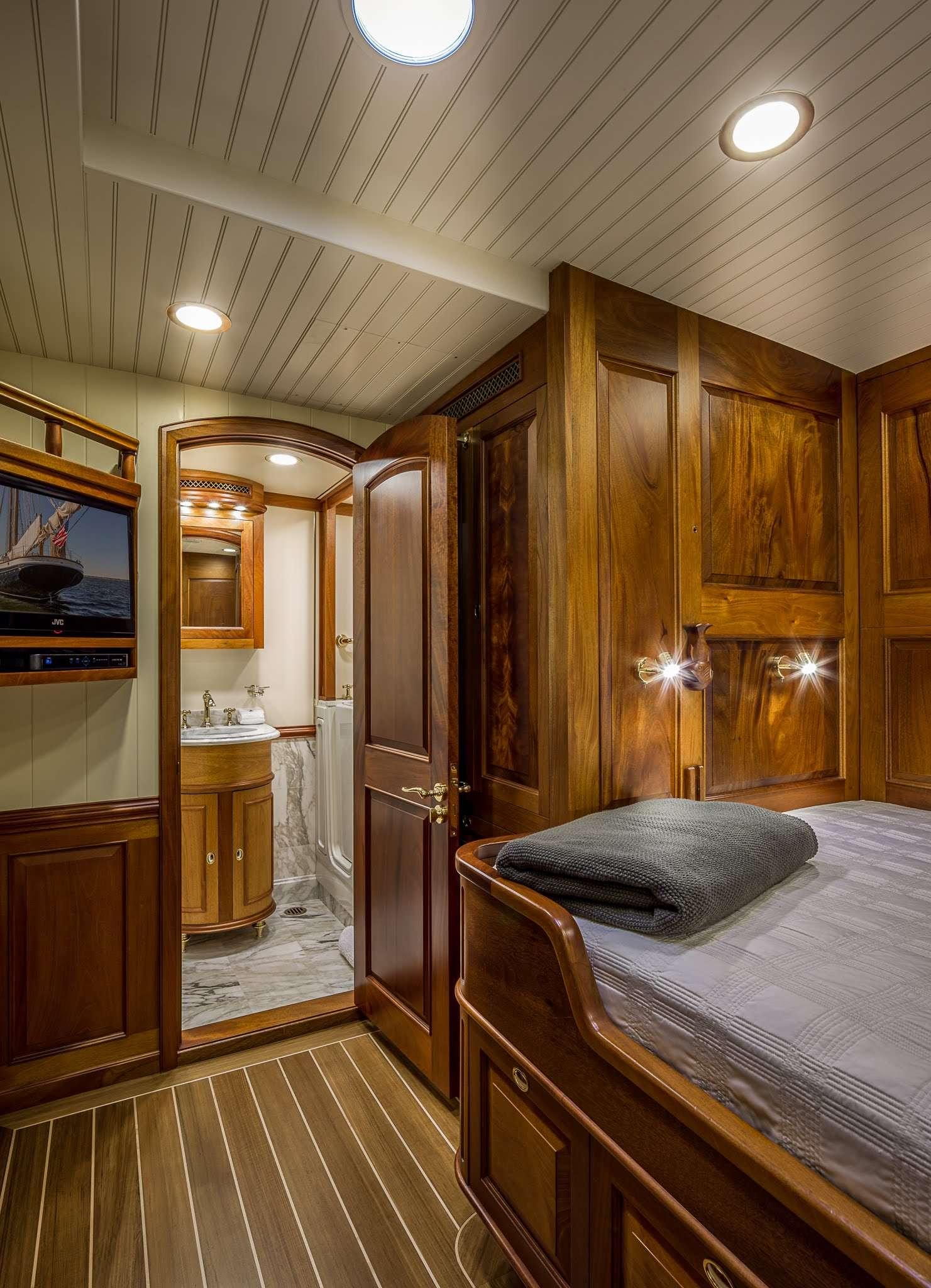 Columbia yacht image # 5