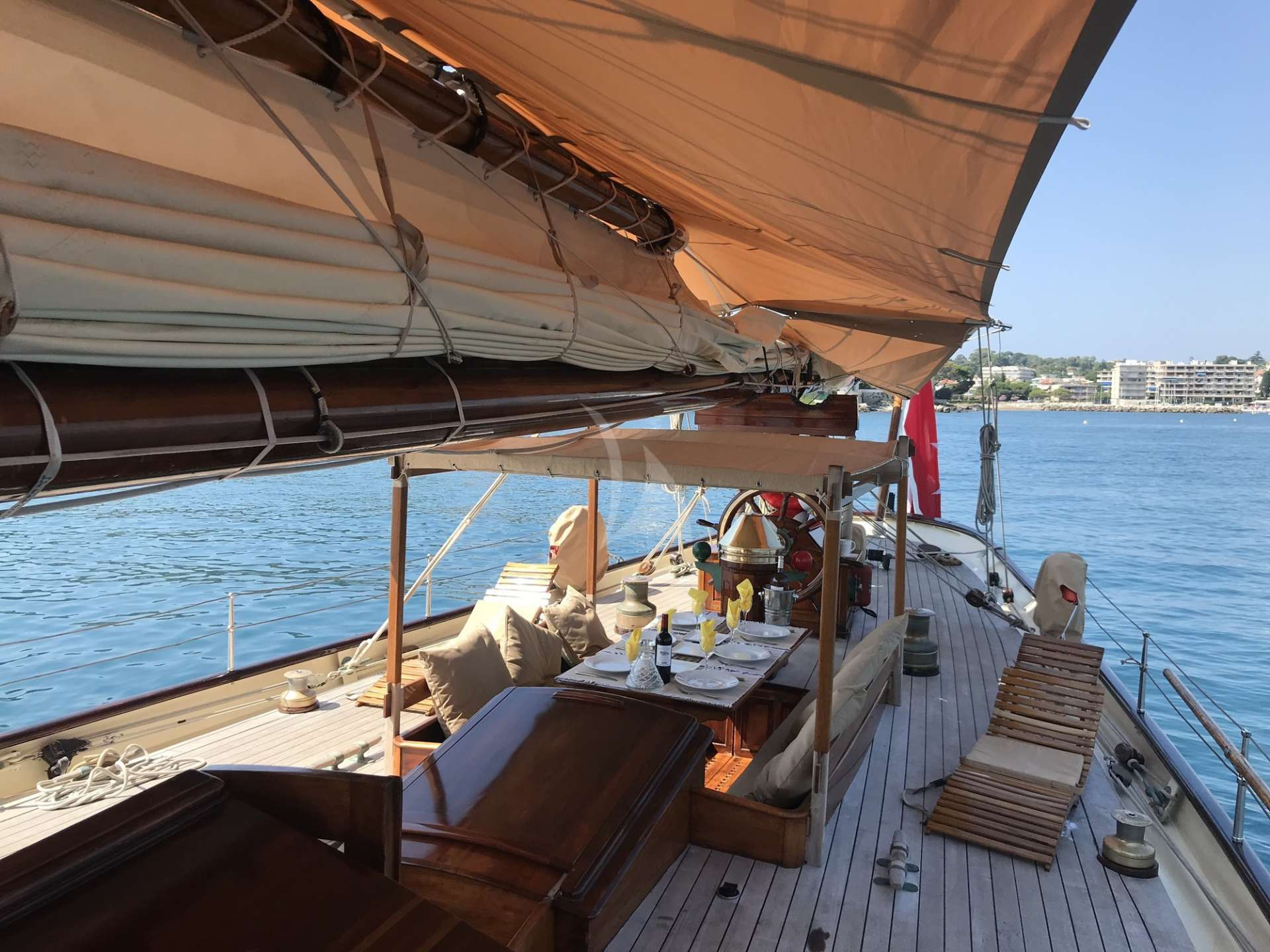 Private greece sailing charter yachts