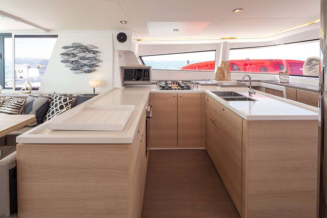 License to Chill yacht image # 12
