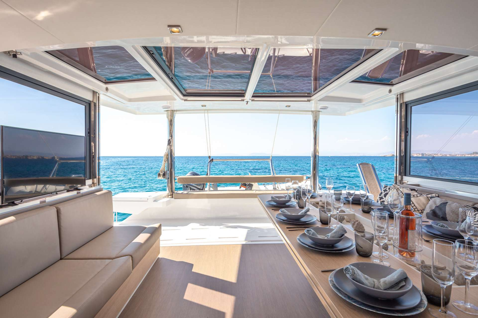 License to Chill yacht image # 14