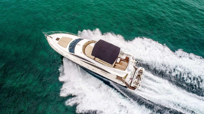 motor yacht TWINS