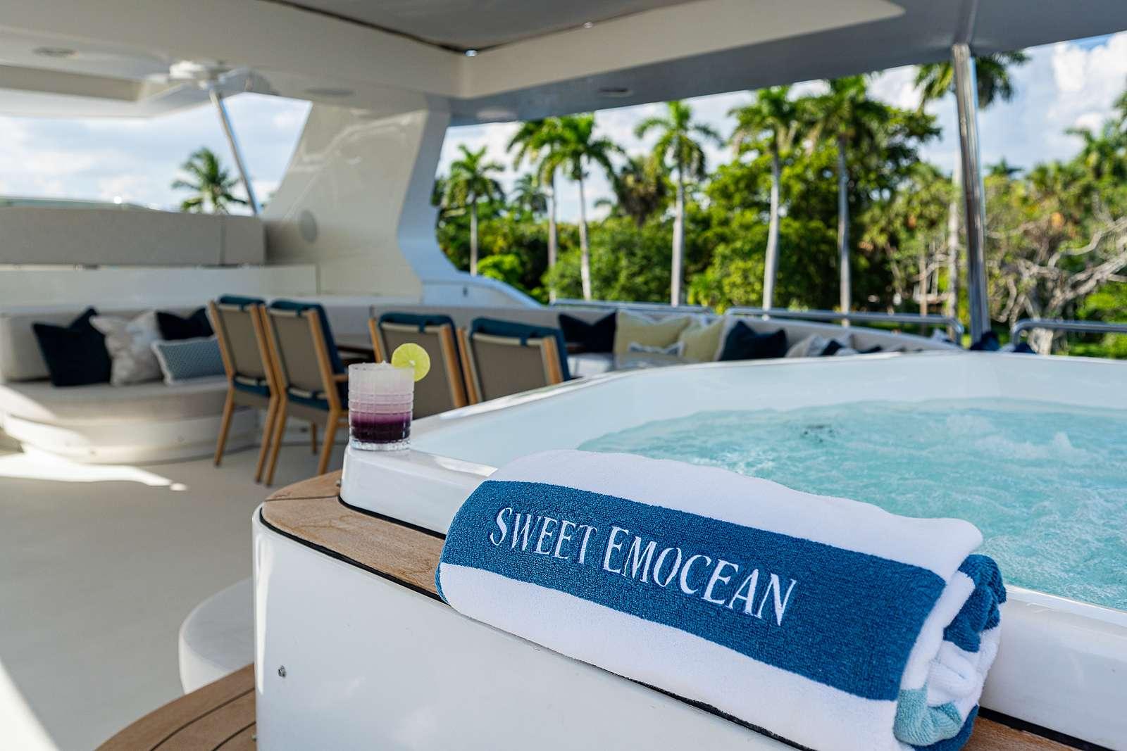motor yacht Sweet Emocean