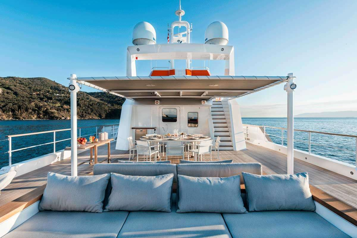 motor yacht Genesia