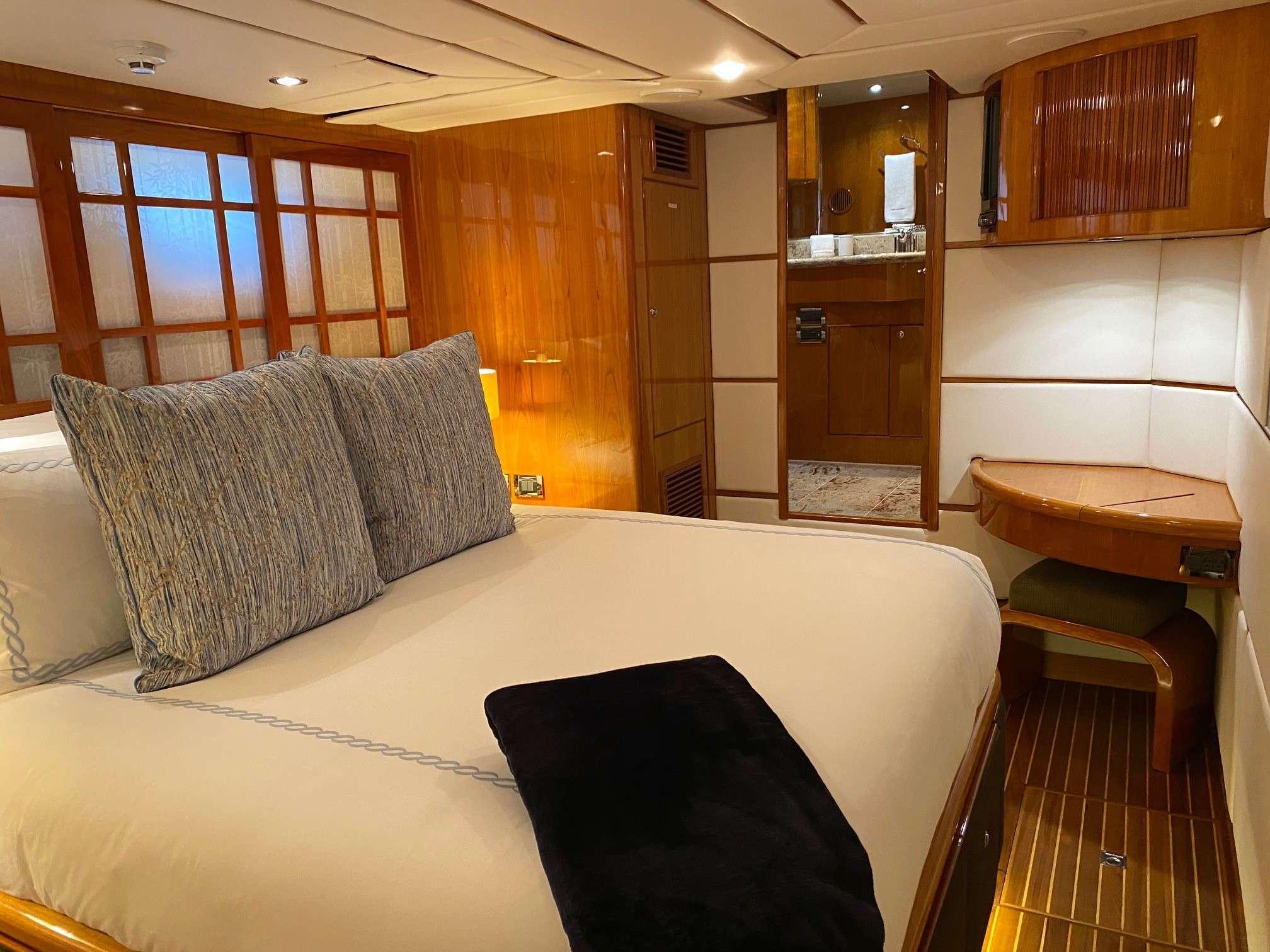 motor yacht TRIPLE NET