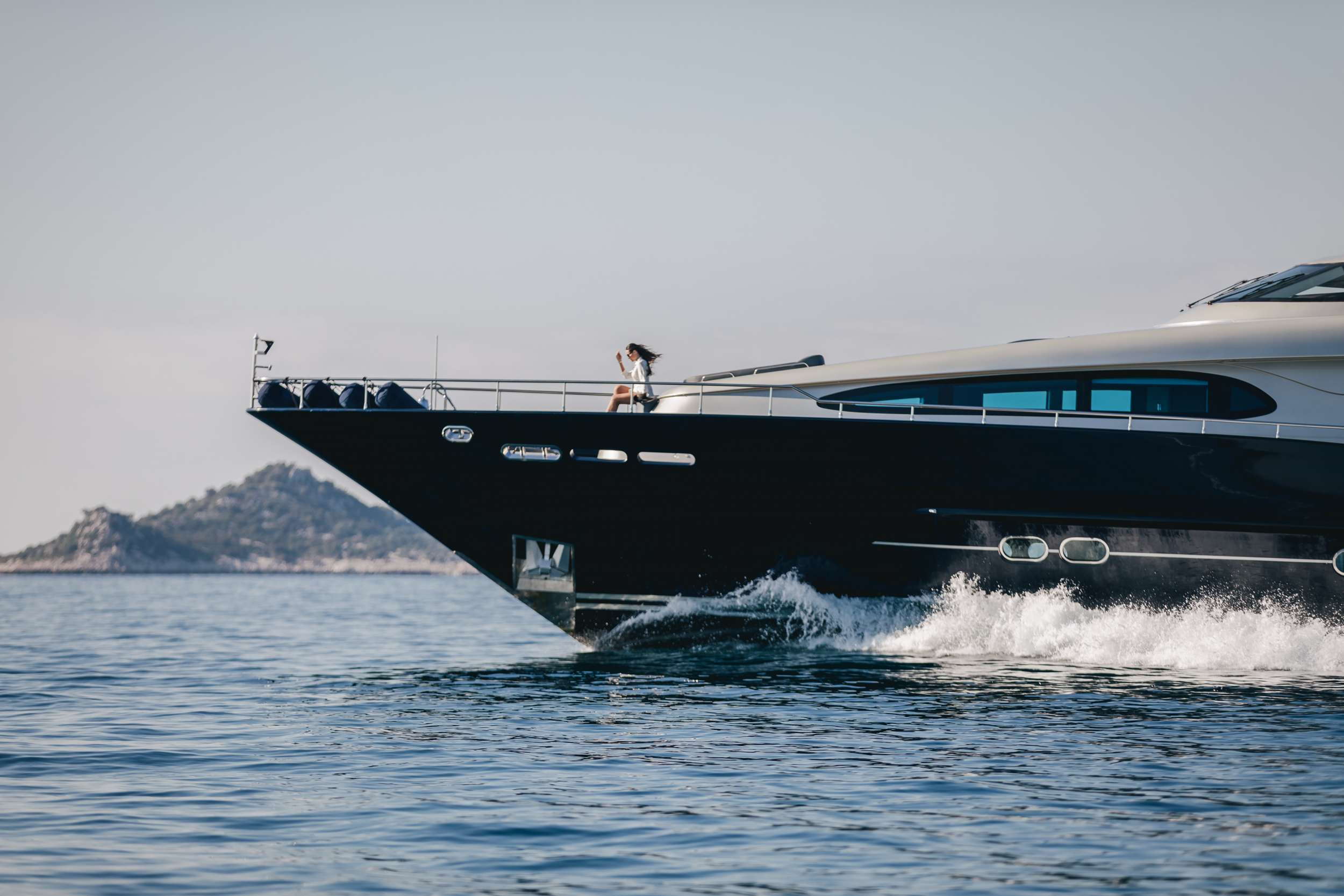 motor yacht ONE BLUE