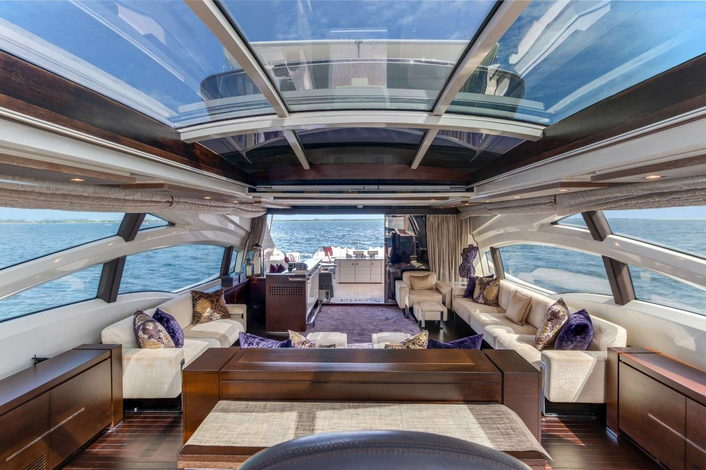 motor yacht Scarlett