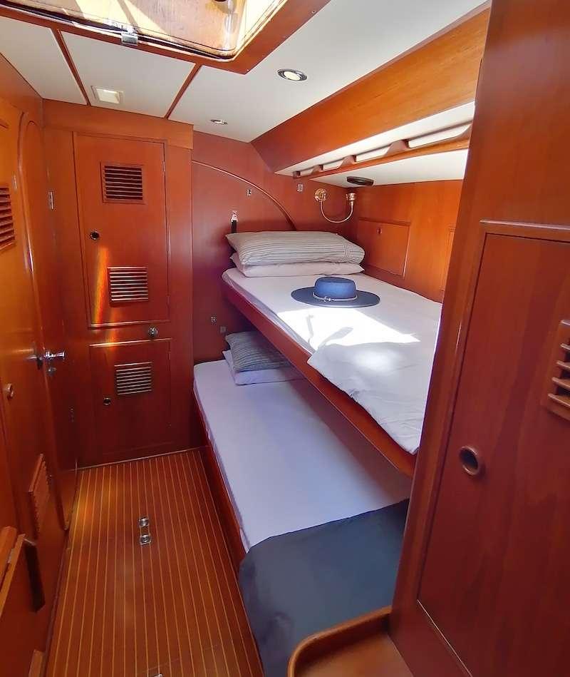 Port guest suite
