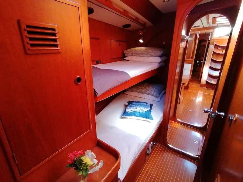 Starboard guest suite