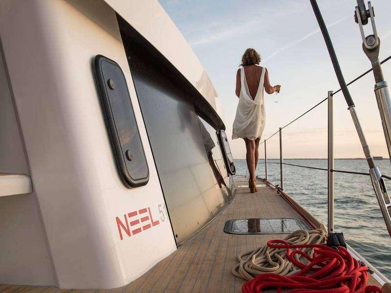 LA LINEA yacht image # 8