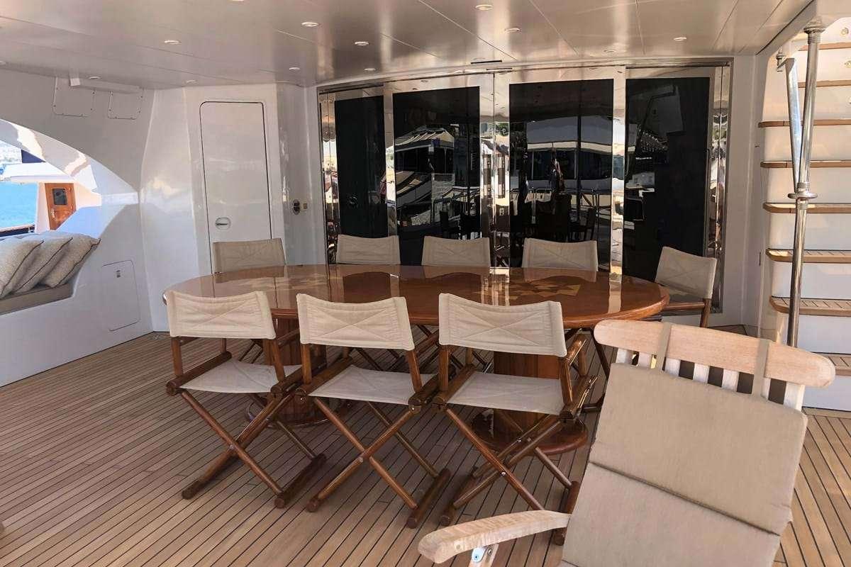 Main deck aft dining