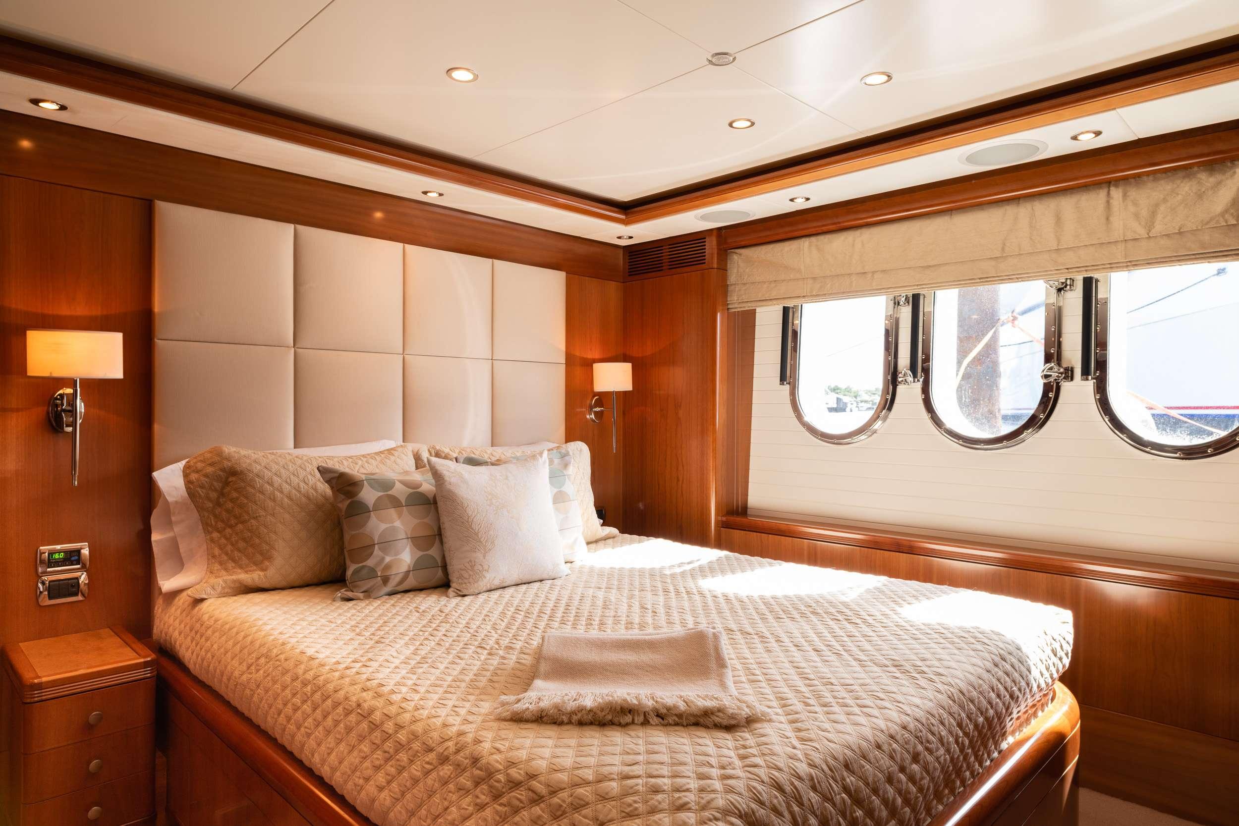 motor yacht Alegria