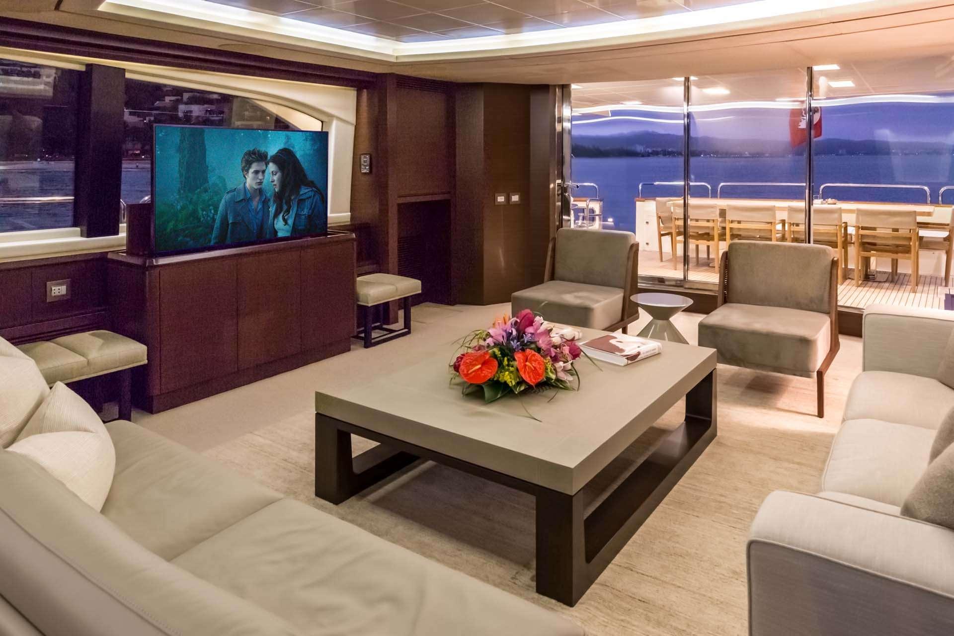 motor yacht AMANECER