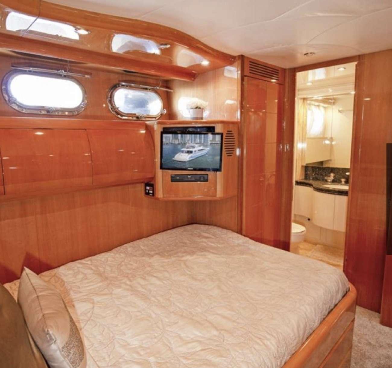 motor yacht 103