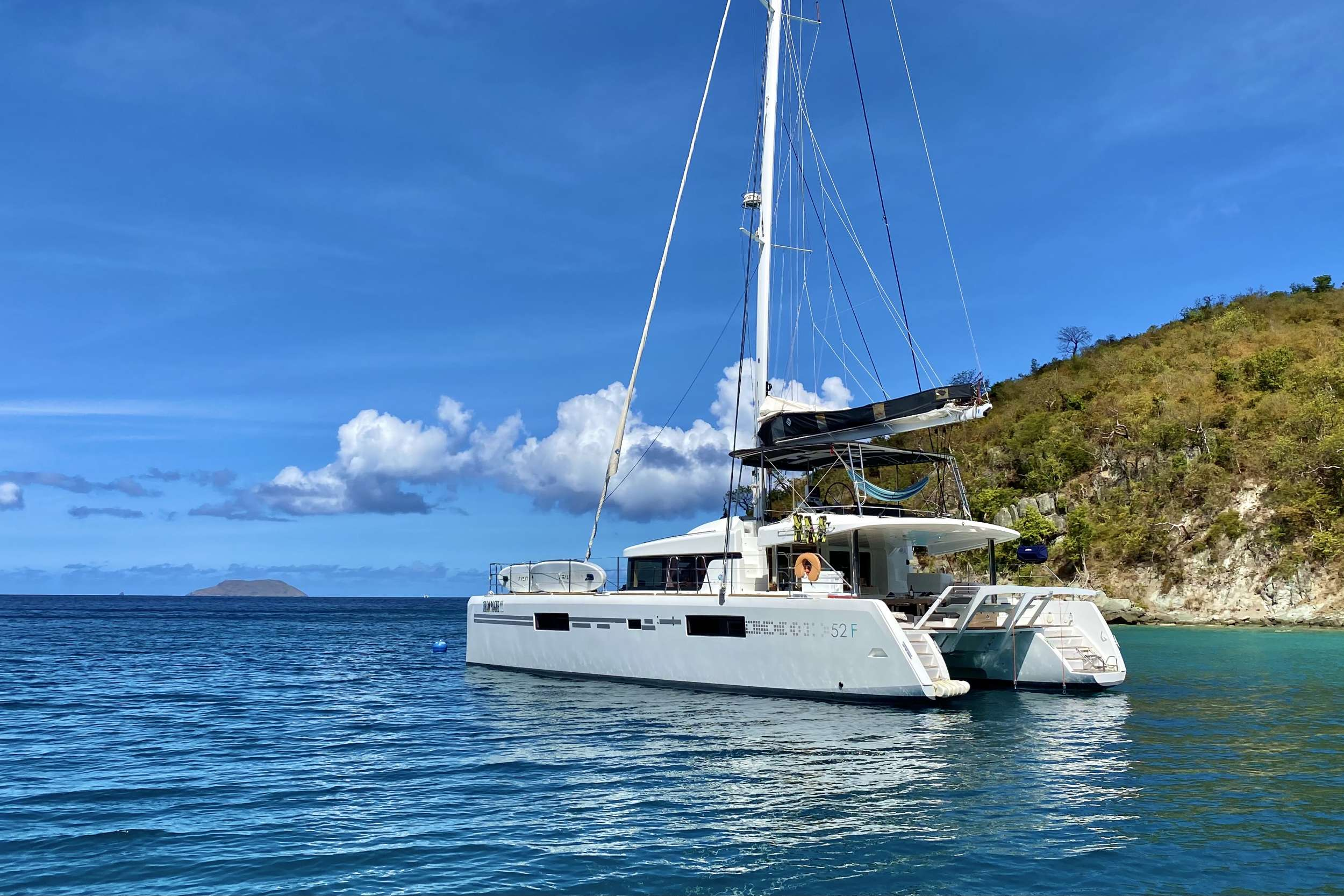 CHAMPAGNE L52 yacht image # 13