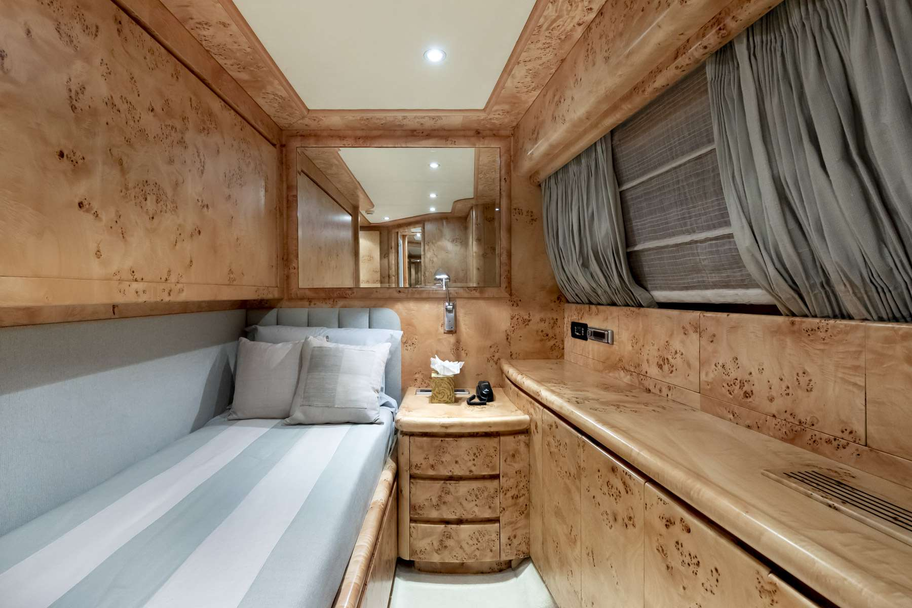 Twin Cabin with Bunkbeds