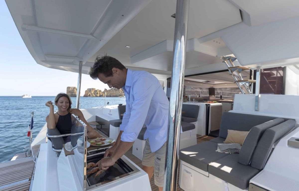 Ruckus yacht image # 8