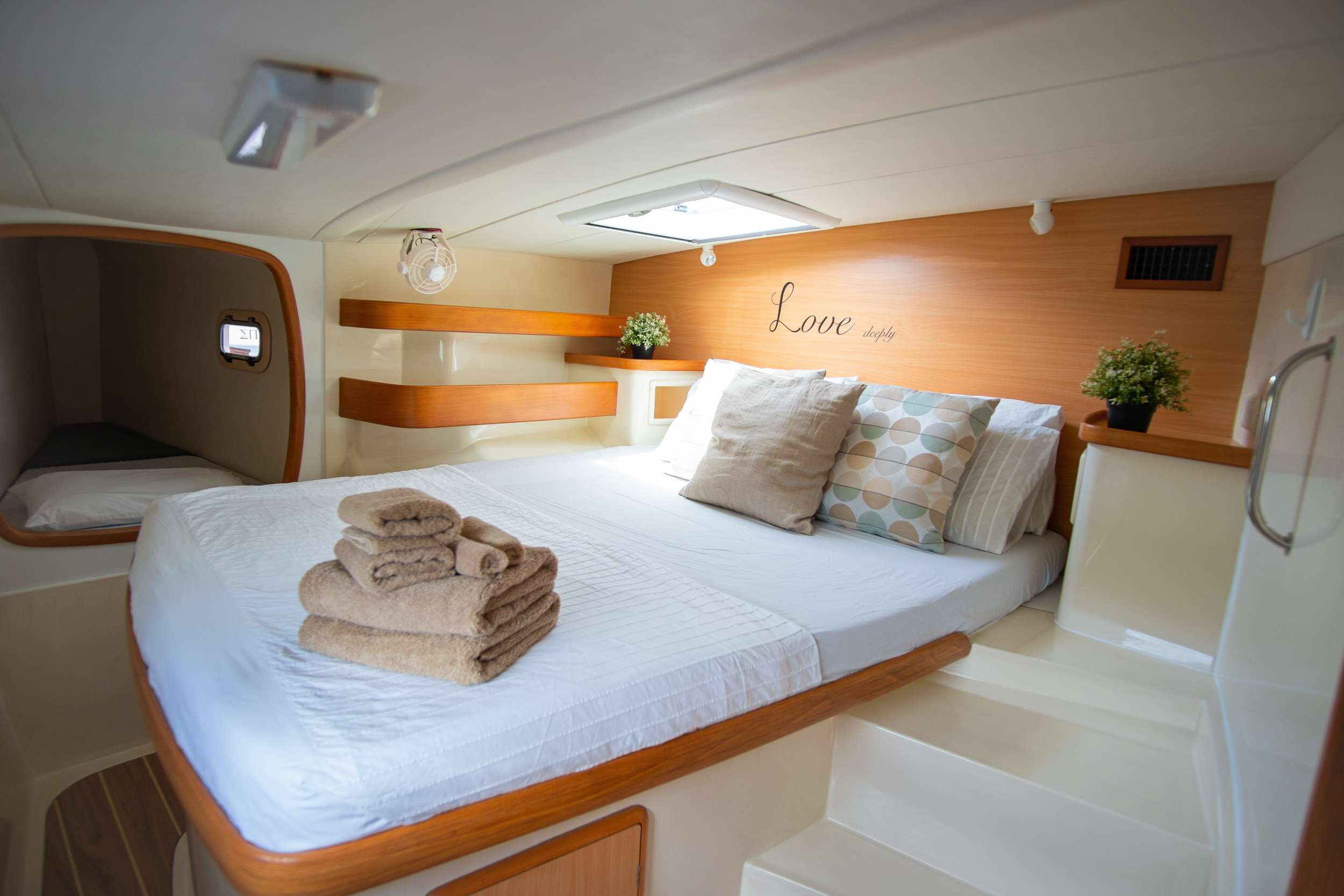 OUTBACK yacht image # 5