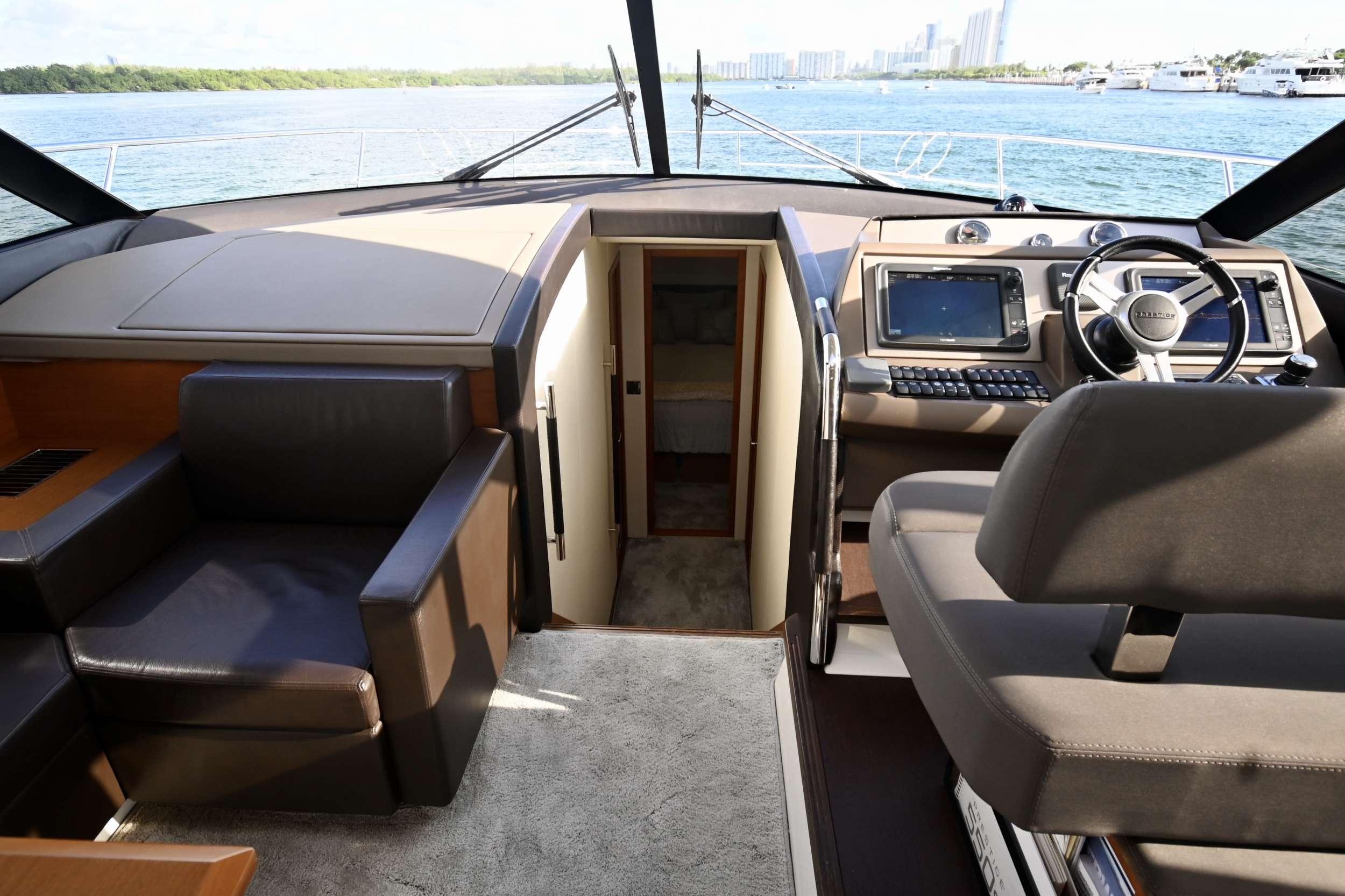 60 Prestige yacht image # 12