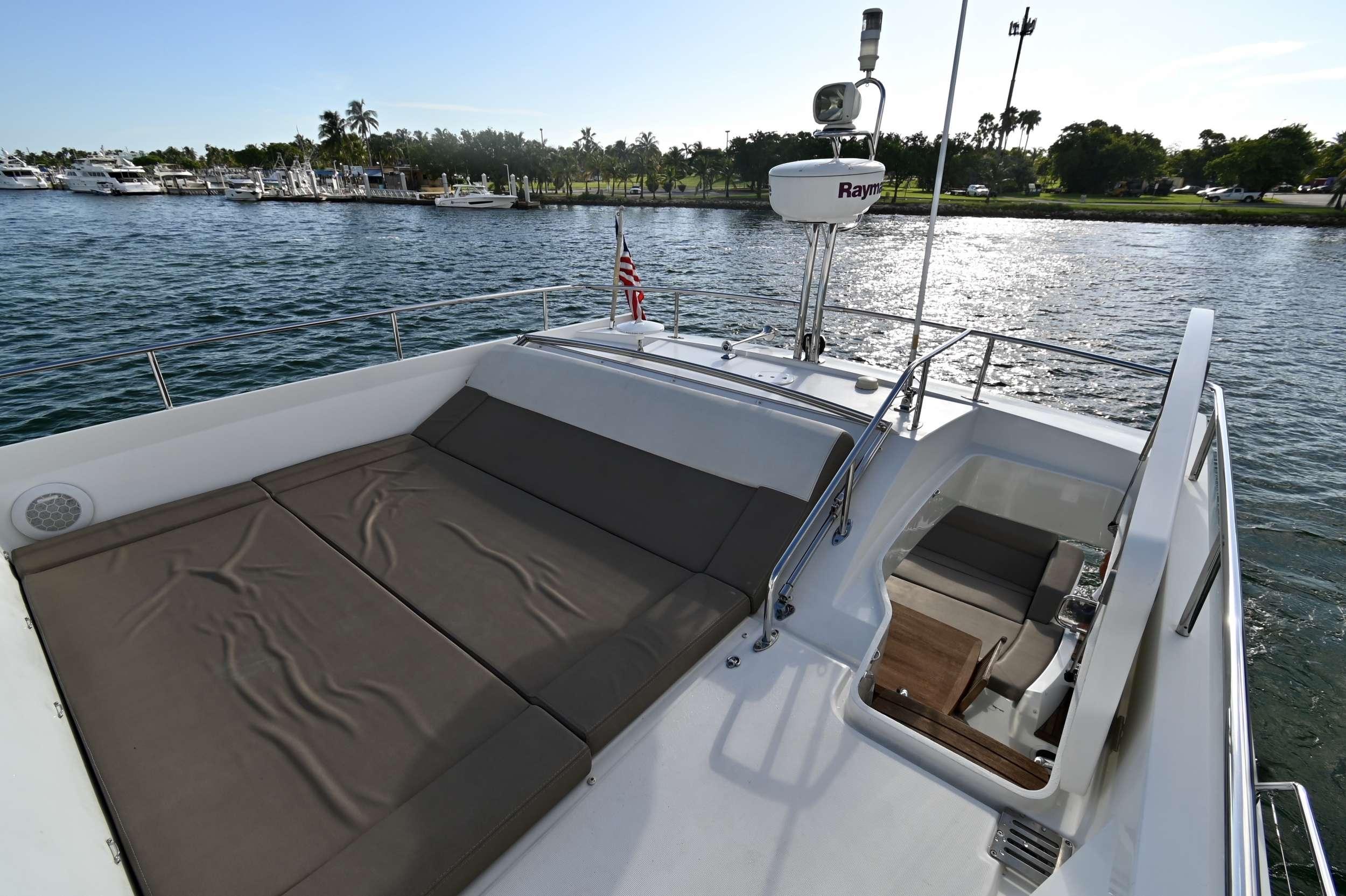 60 Prestige yacht image # 14
