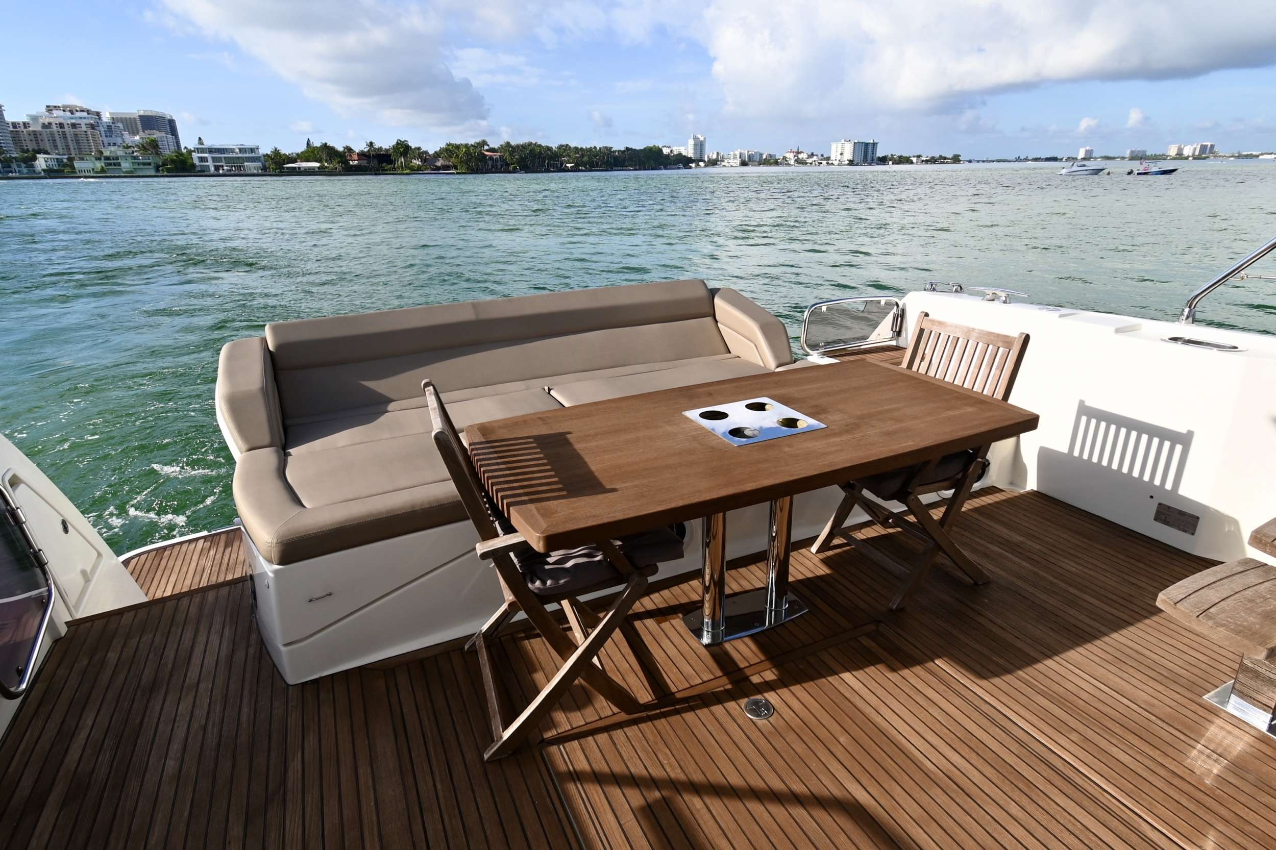 60 Prestige yacht image # 1