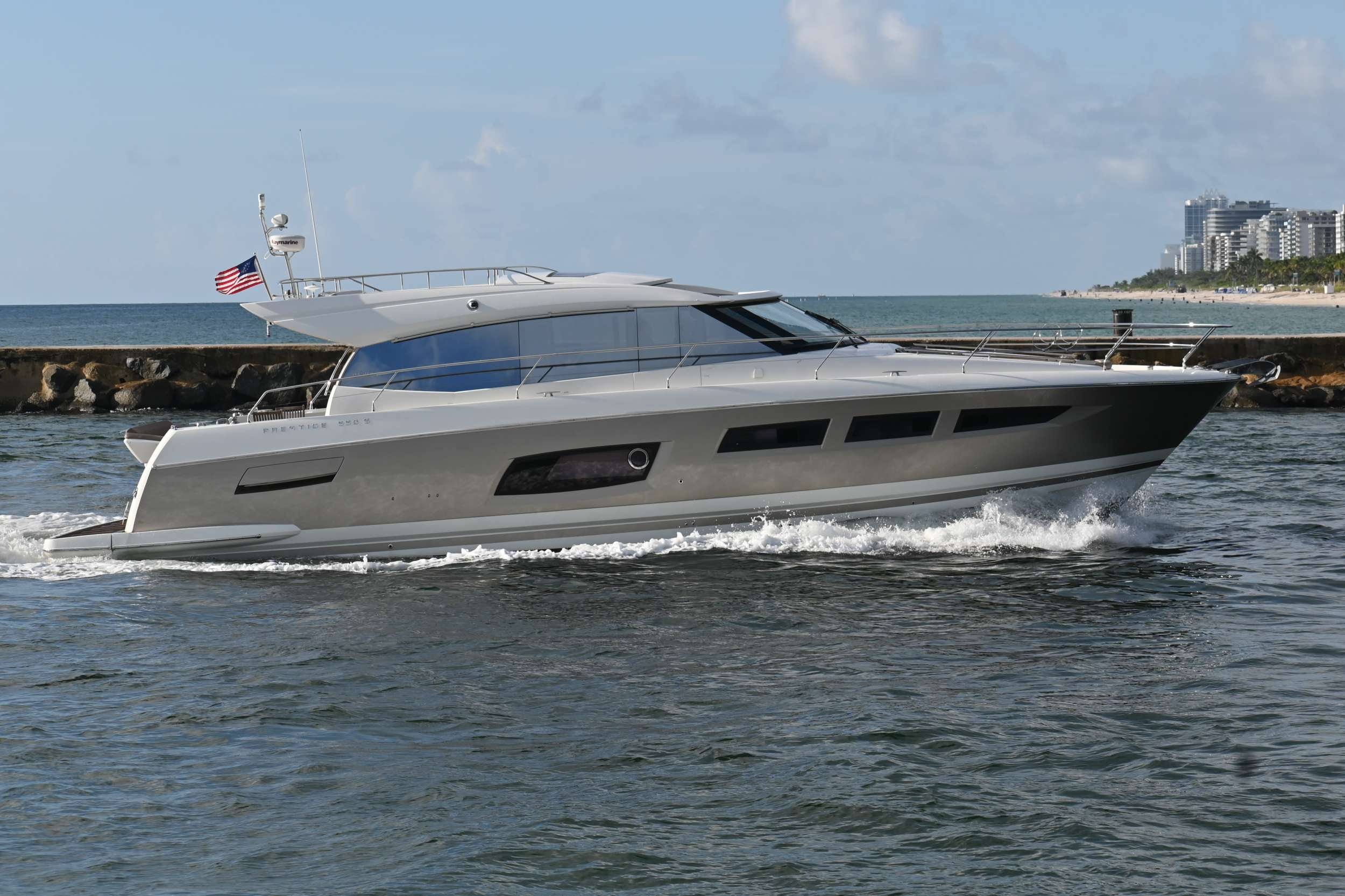 60 Prestige yacht image # 4