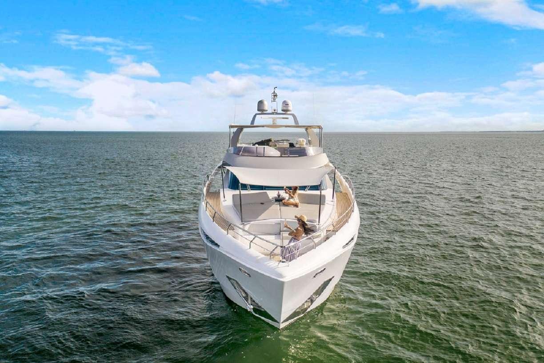 motor yacht 90