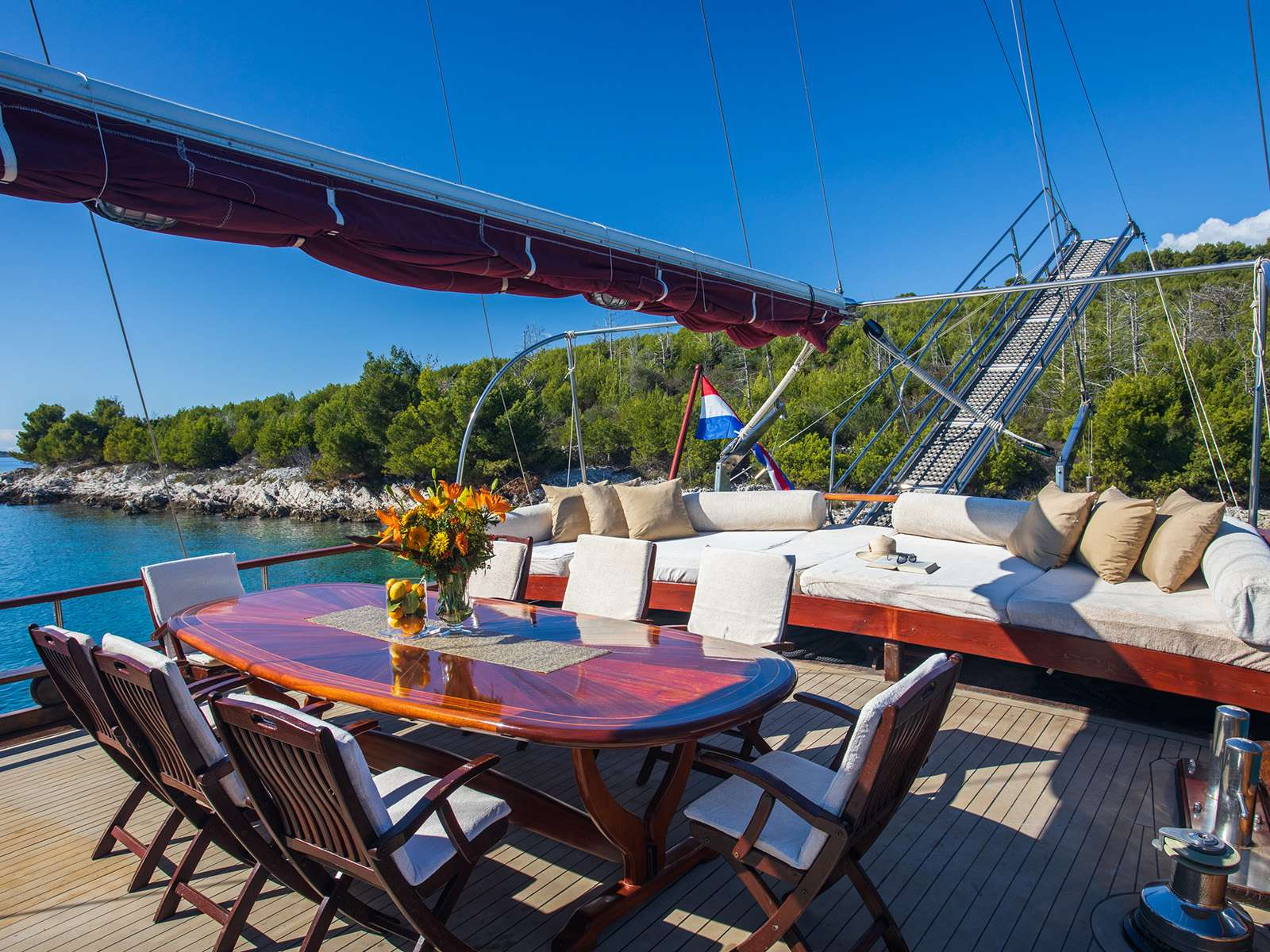 NOSTRA VITA - Dining area on Aft deck