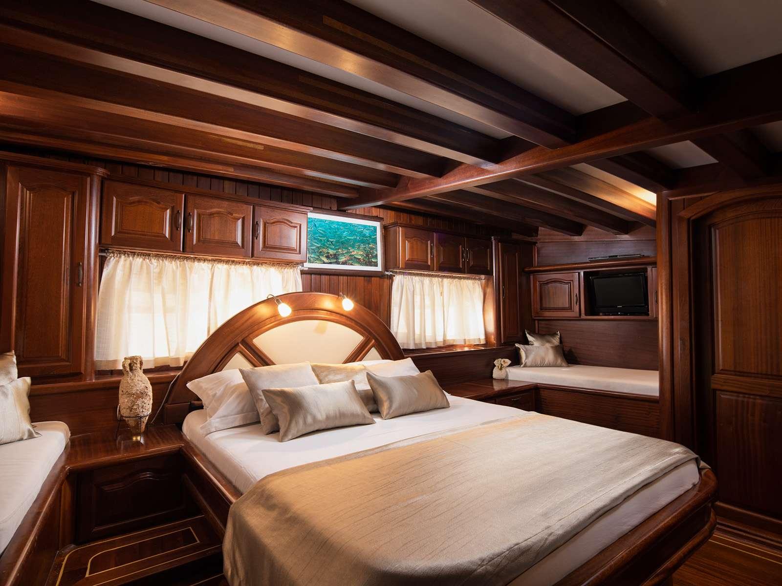NOSTRA VITA - Master cabin