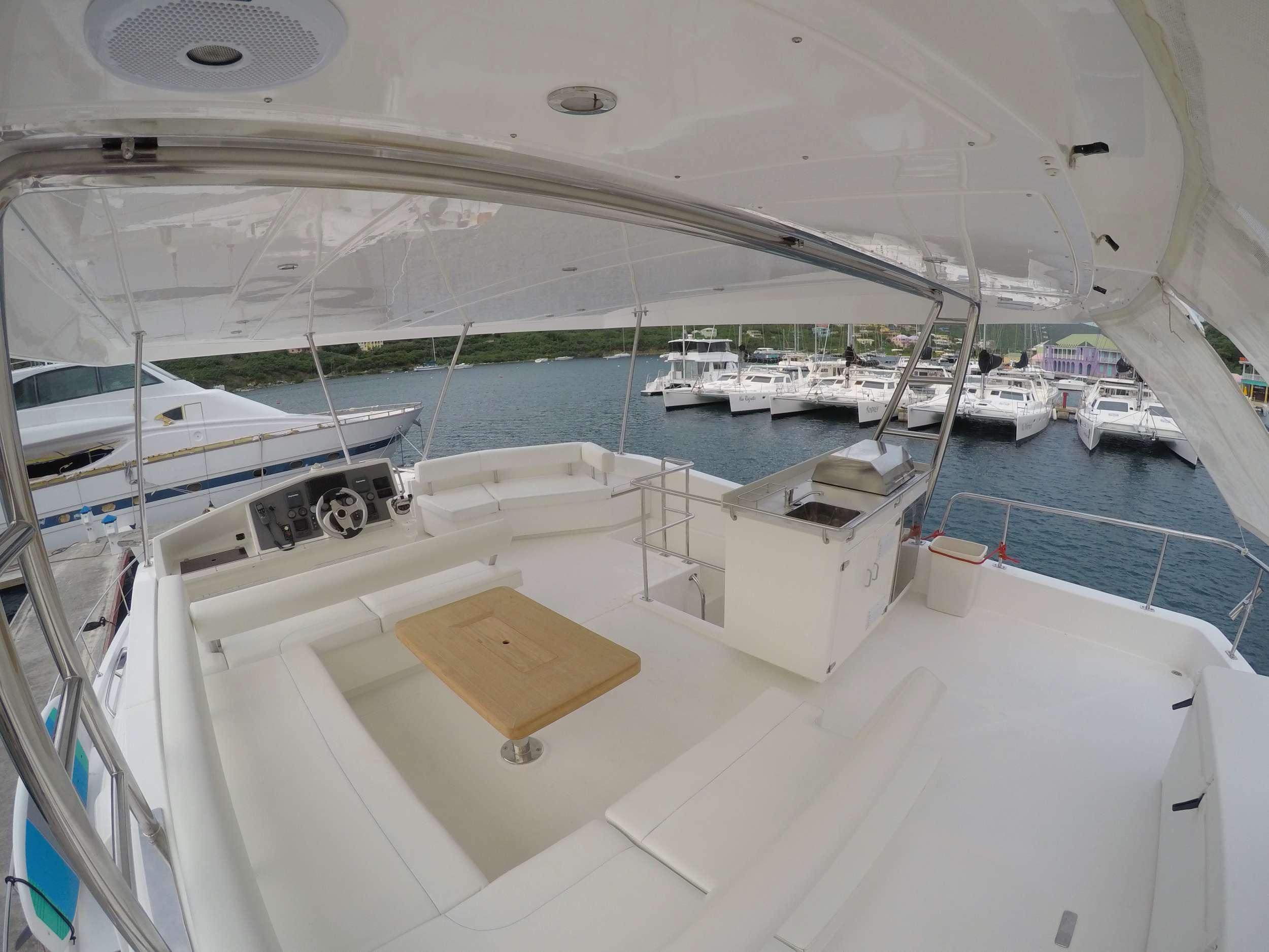 SOMEWHERE HOT yacht image # 14