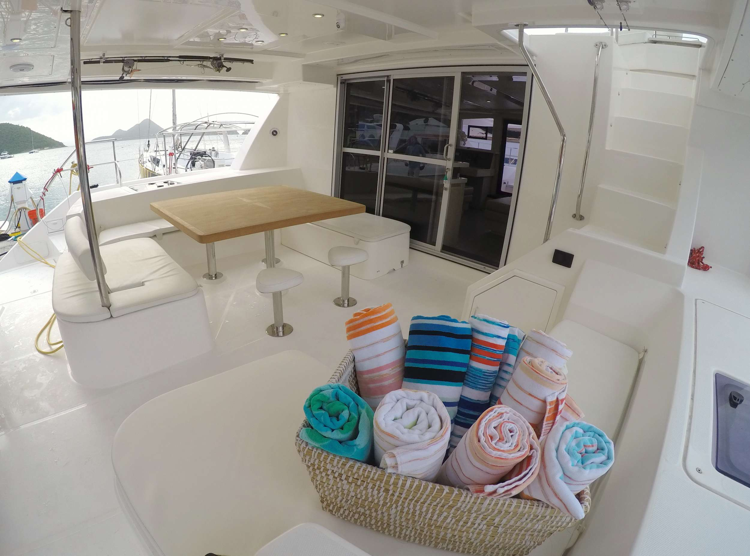 SOMEWHERE HOT yacht image # 15