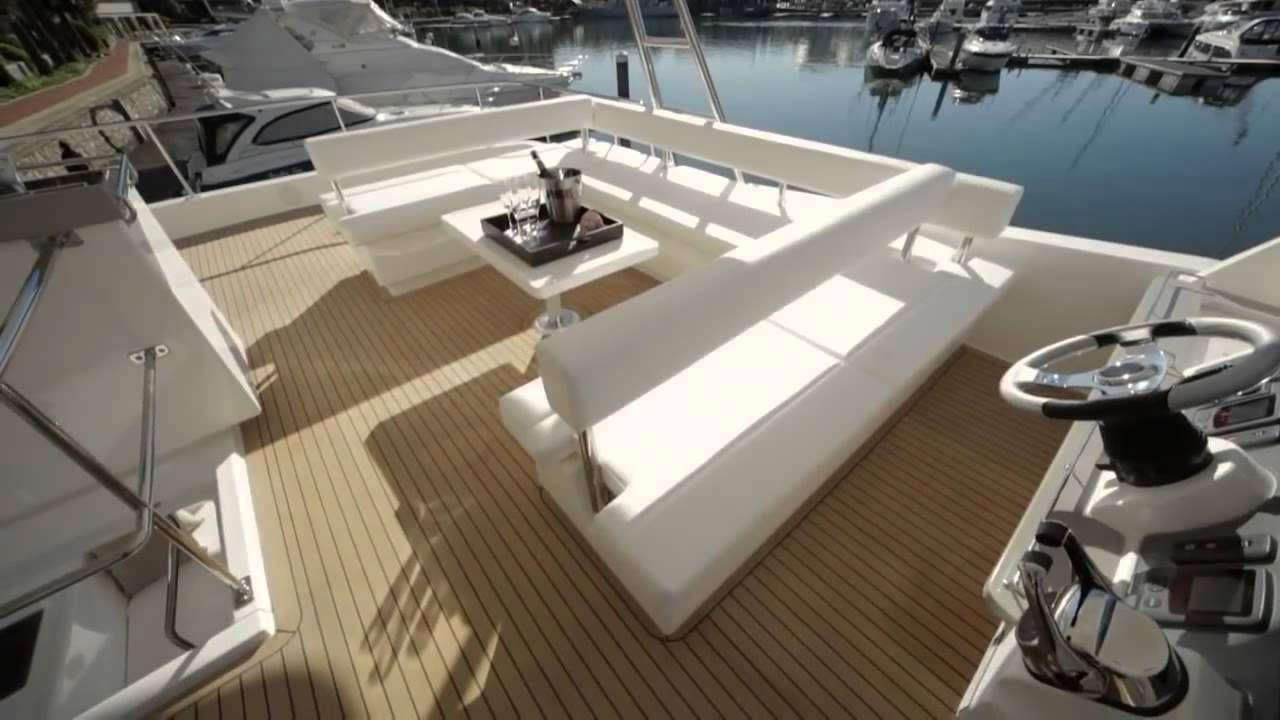 SOMEWHERE HOT yacht image # 3