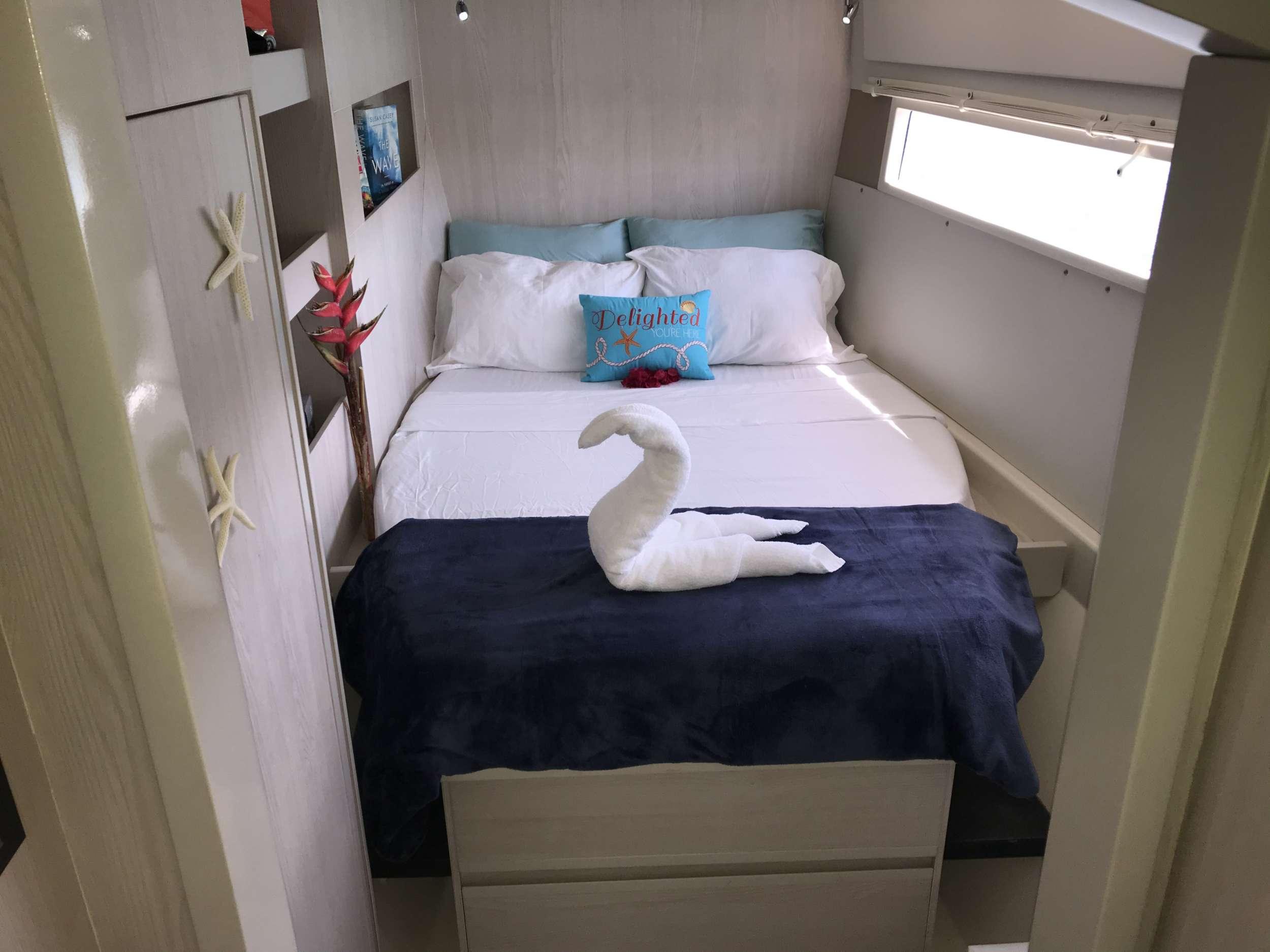 SOMEWHERE HOT yacht image # 5