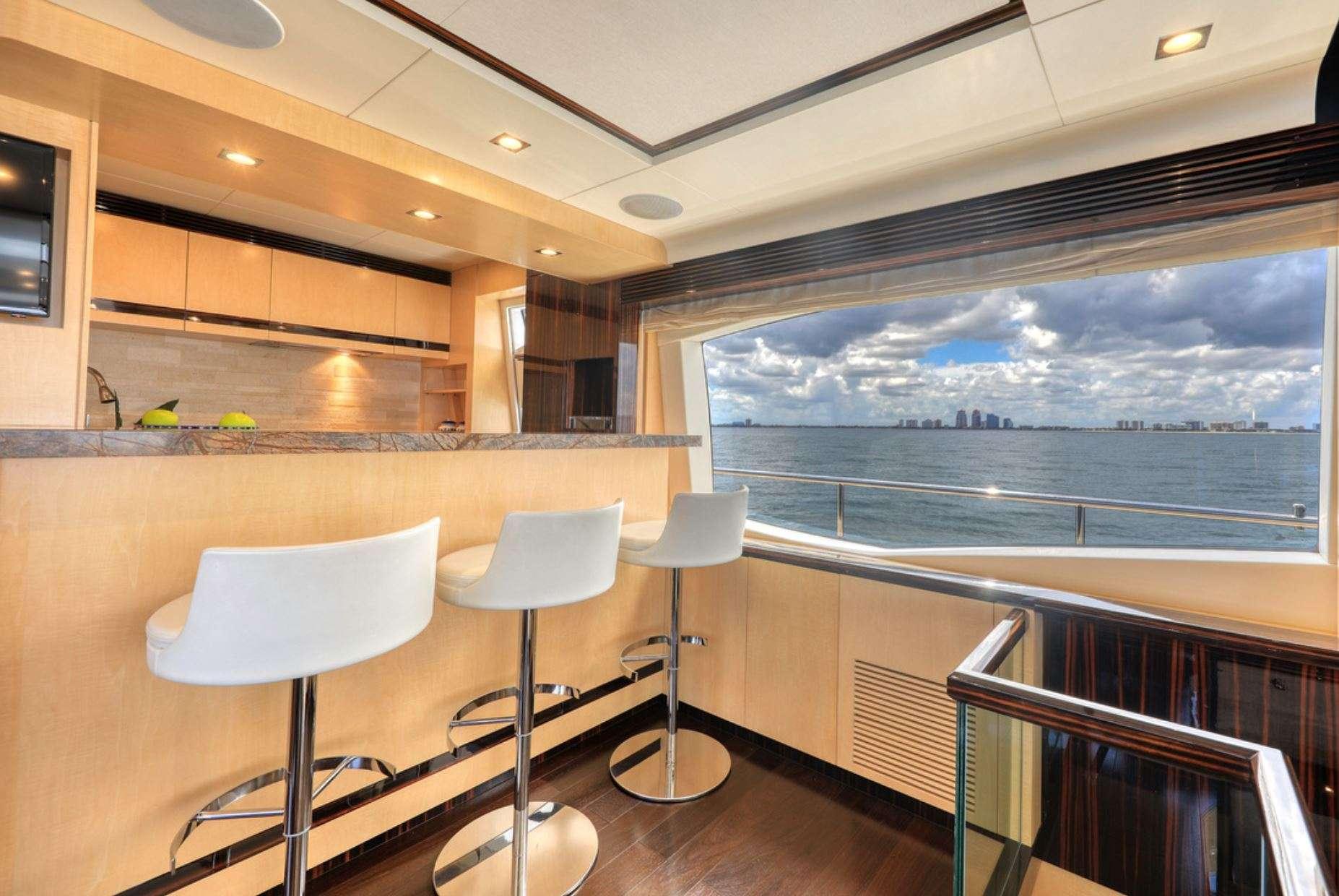 motor yacht Valere