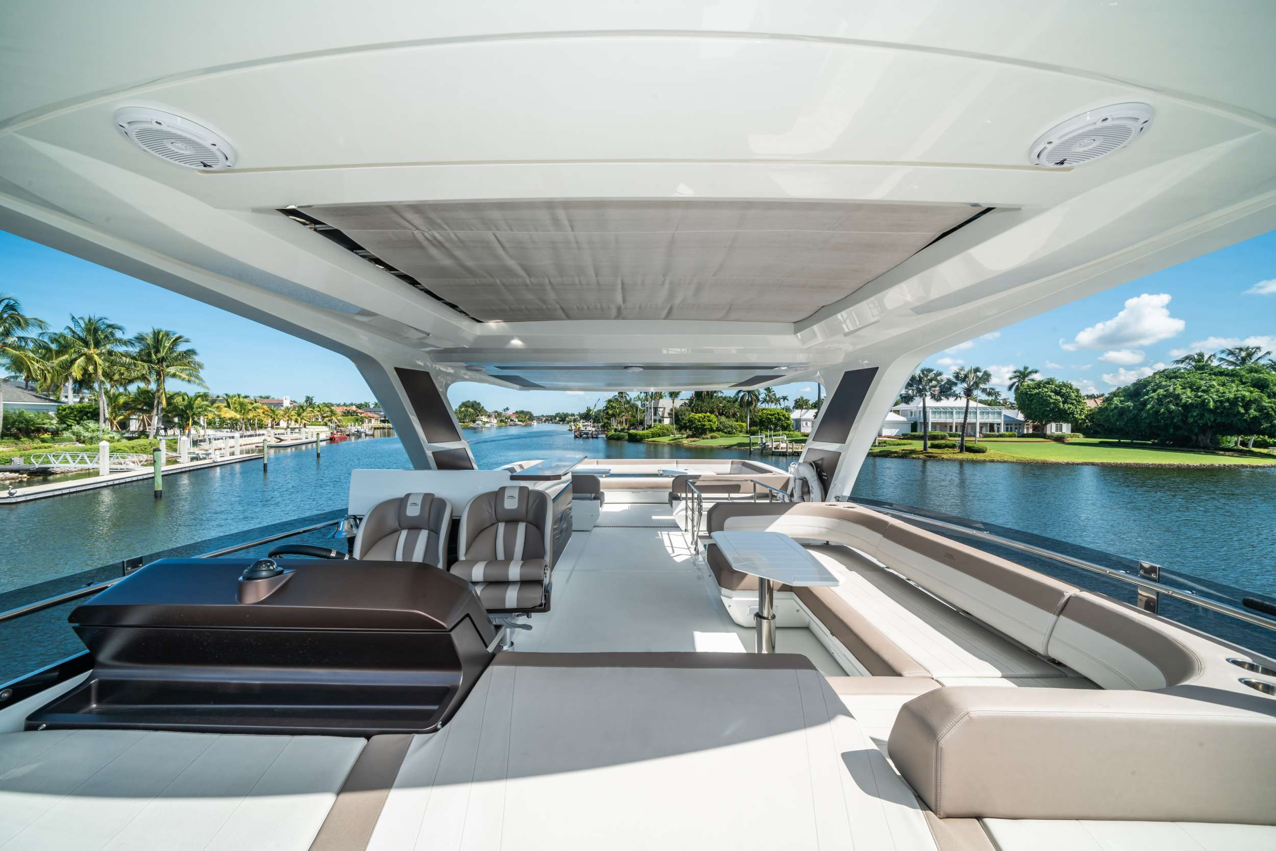 motor yacht RECORD YEAR