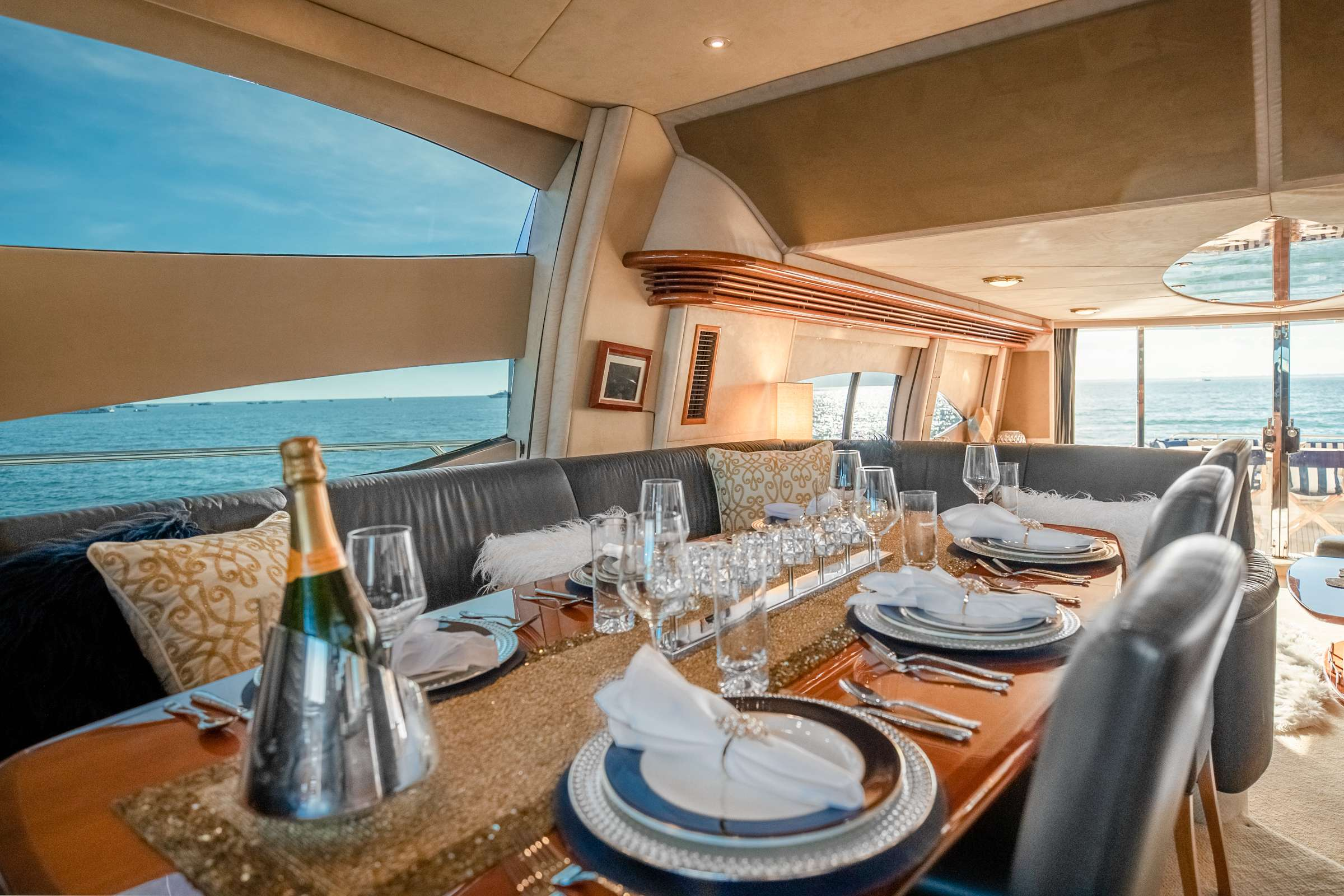 motor yacht LeoLena