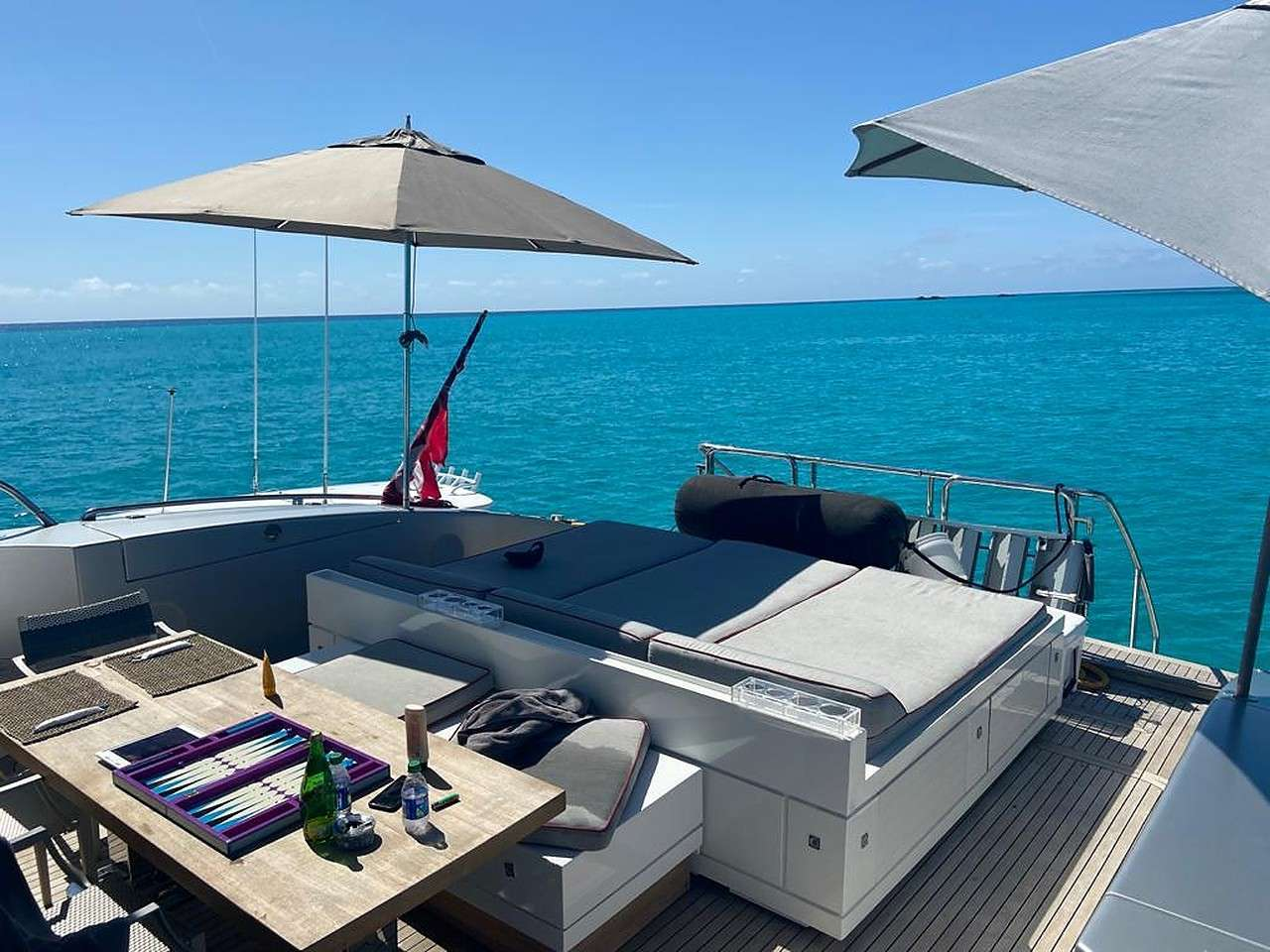 motor yacht HOUDINI