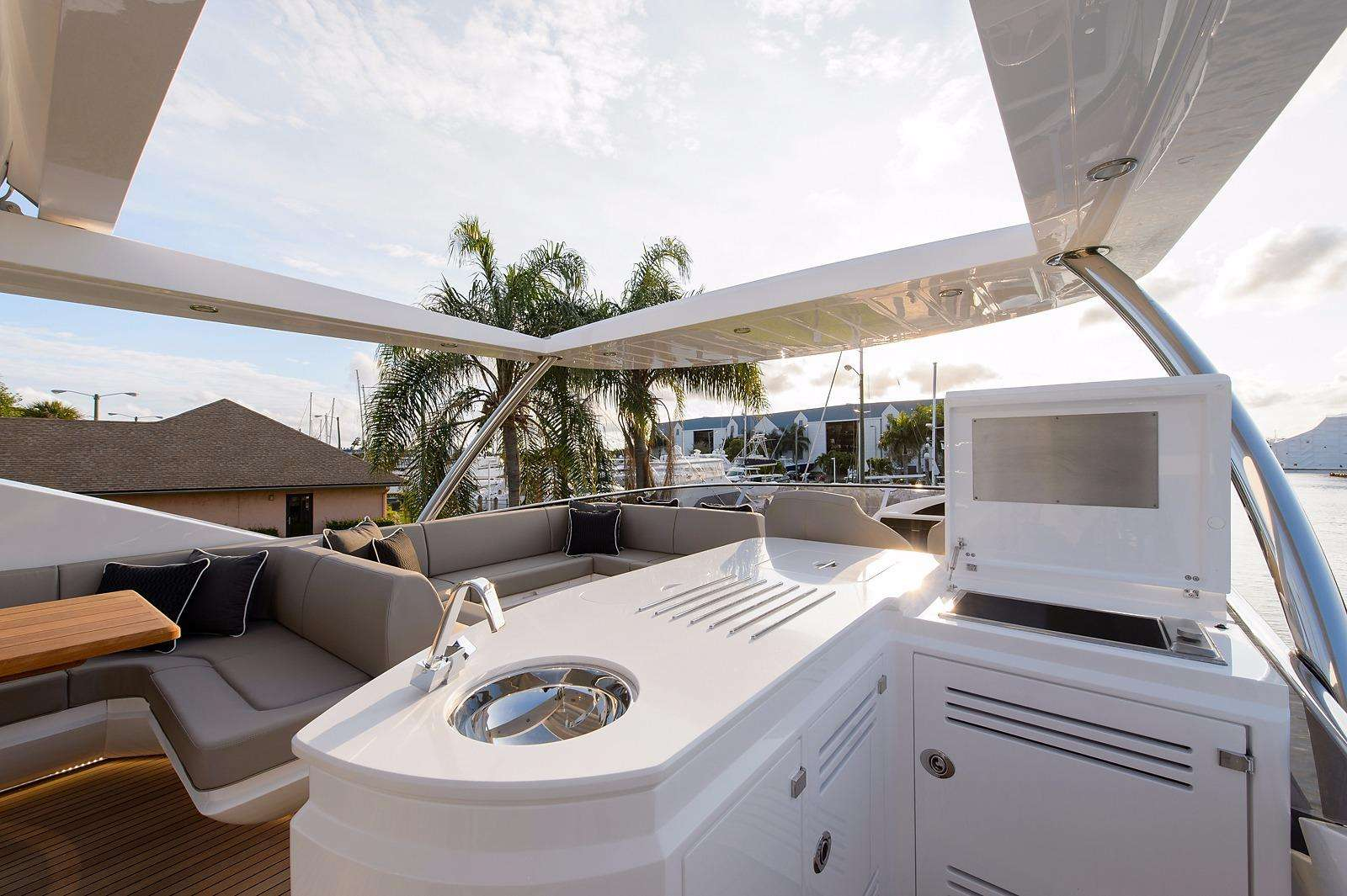 motor yacht GOLDEN OURS