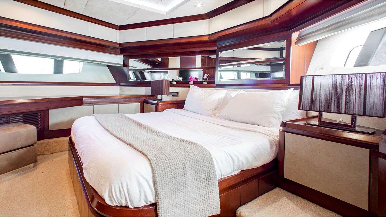 motor yacht BT2