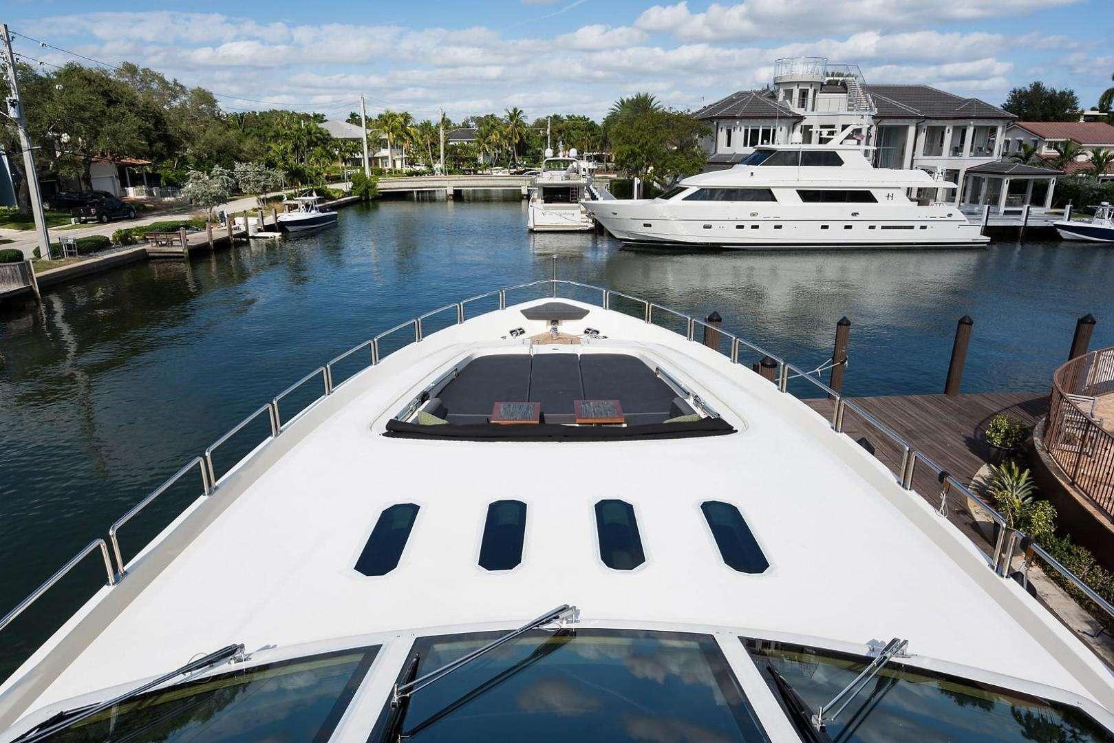 motor yacht ENCORE